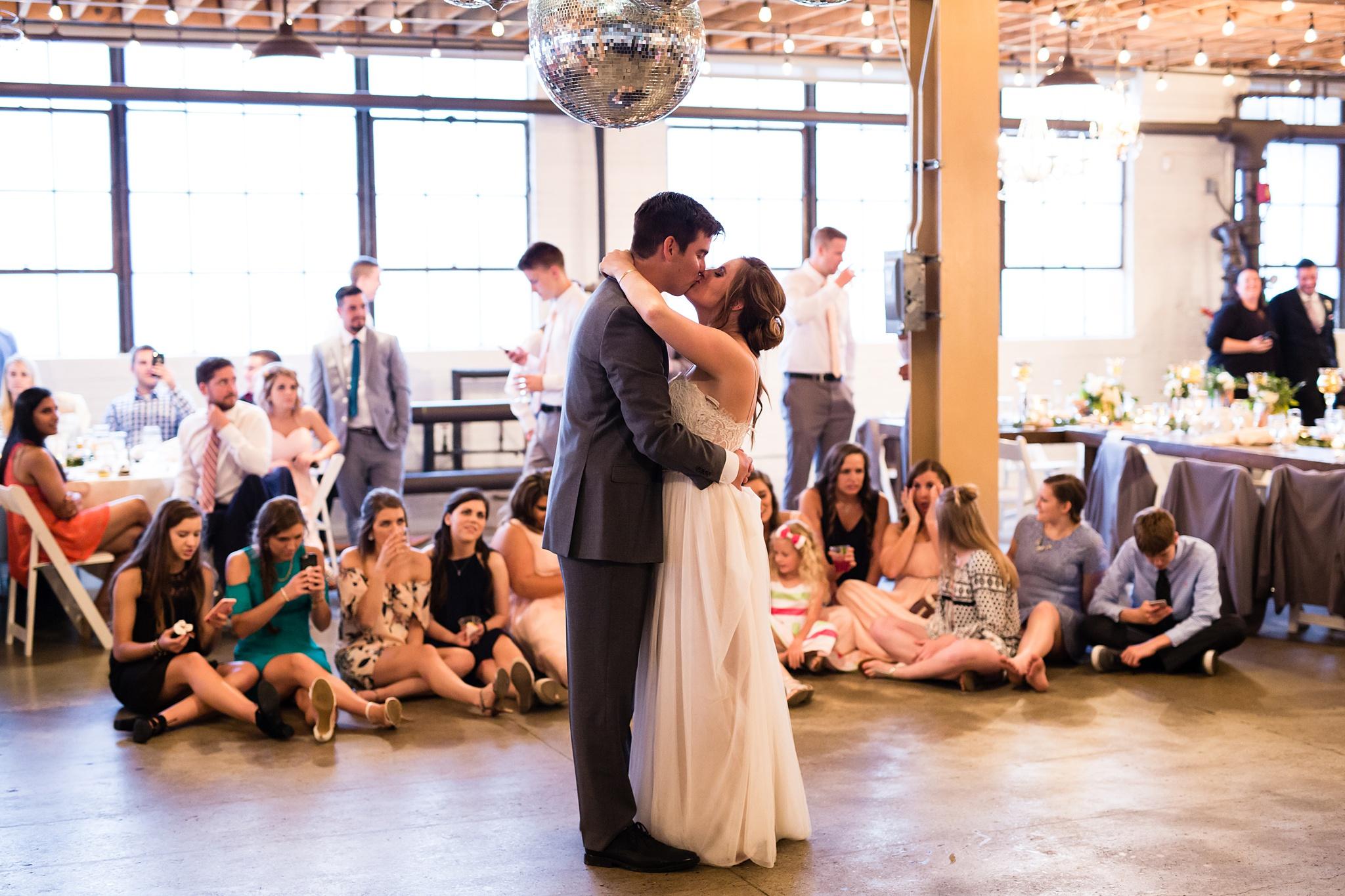 Meghan_Drew_Grand_Rapids_Cheney_place_Wedding088.JPG