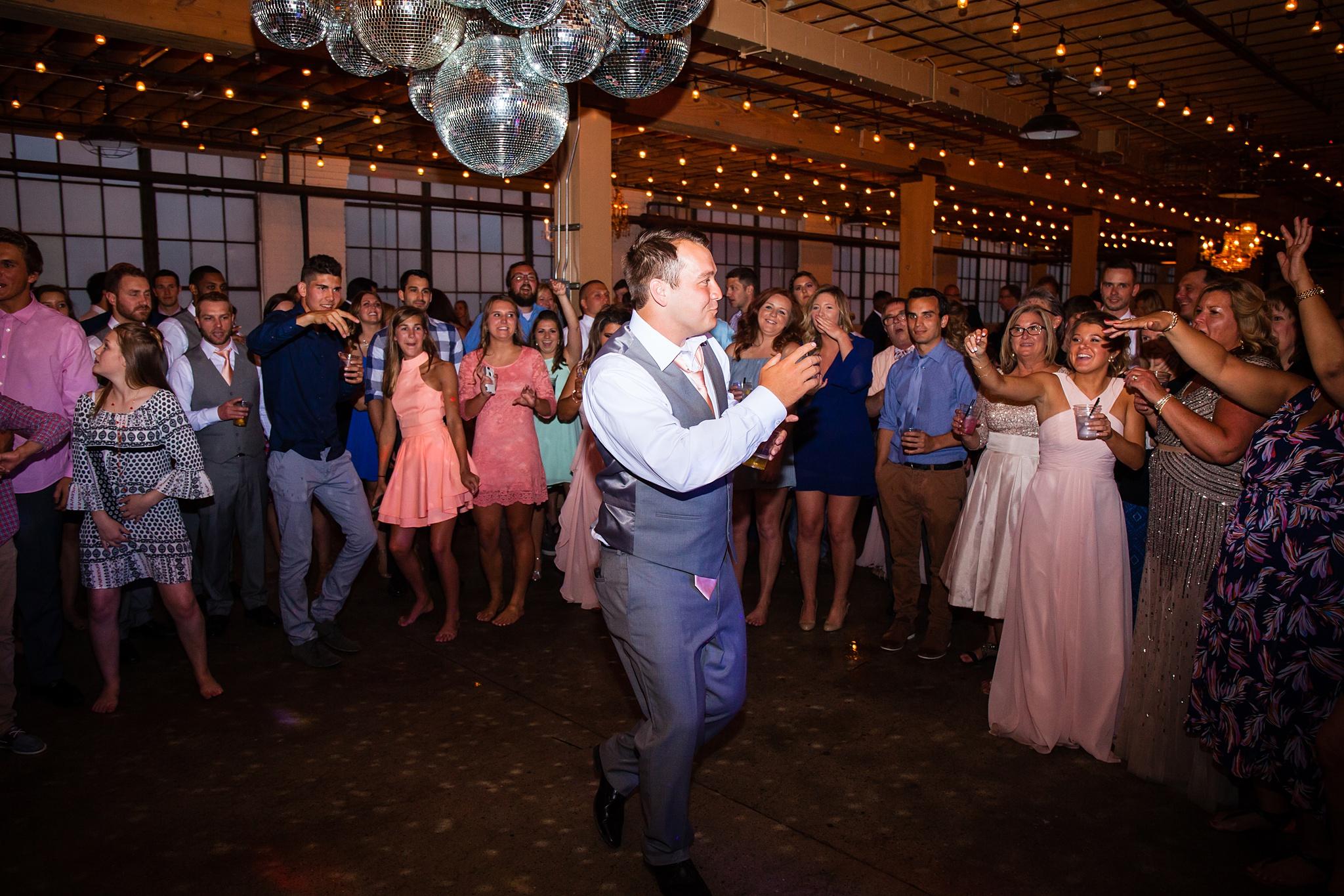 Meghan_Drew_Grand_Rapids_Cheney_place_Wedding095.JPG