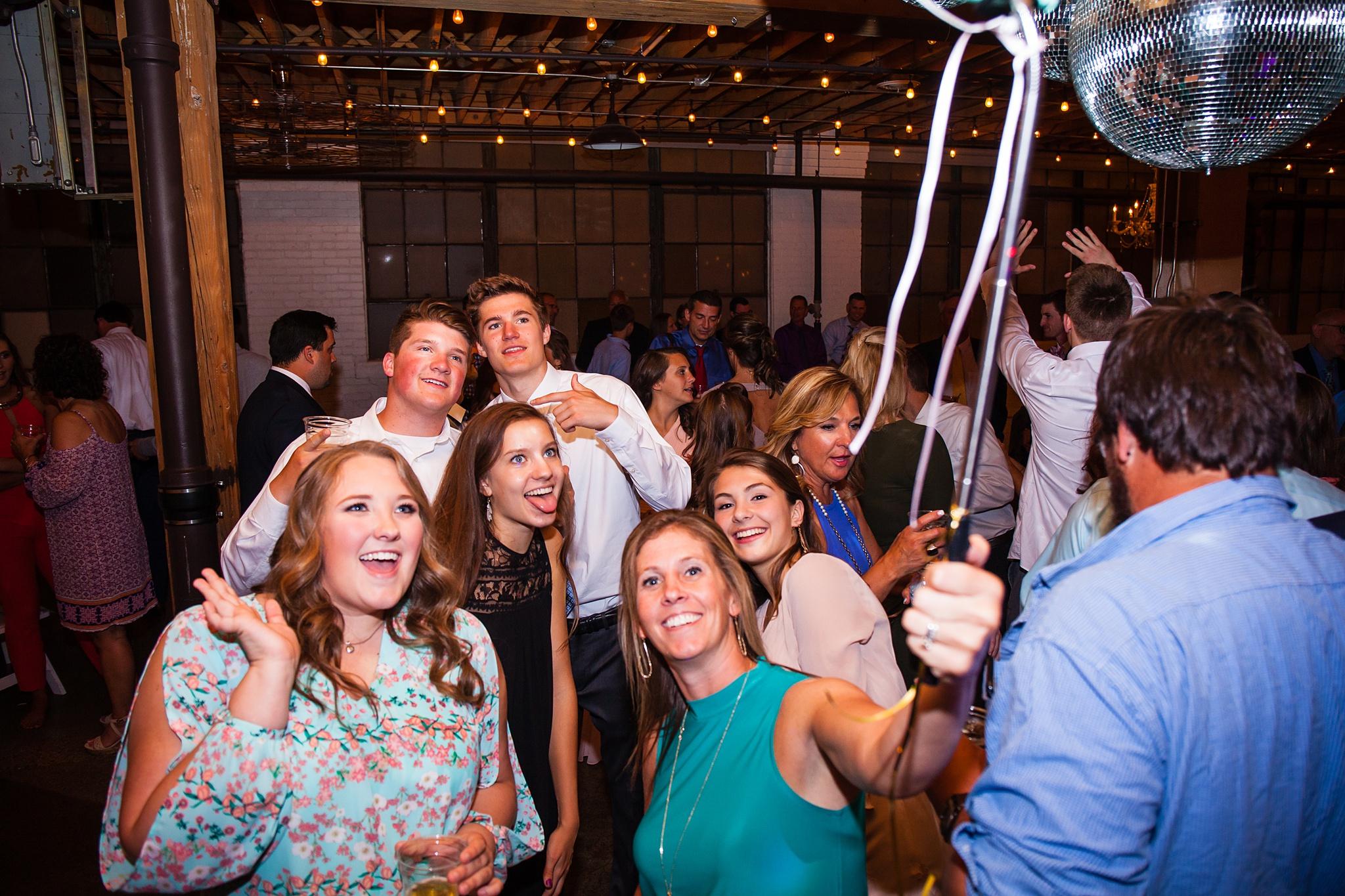 Meghan_Drew_Grand_Rapids_Cheney_place_Wedding099.JPG