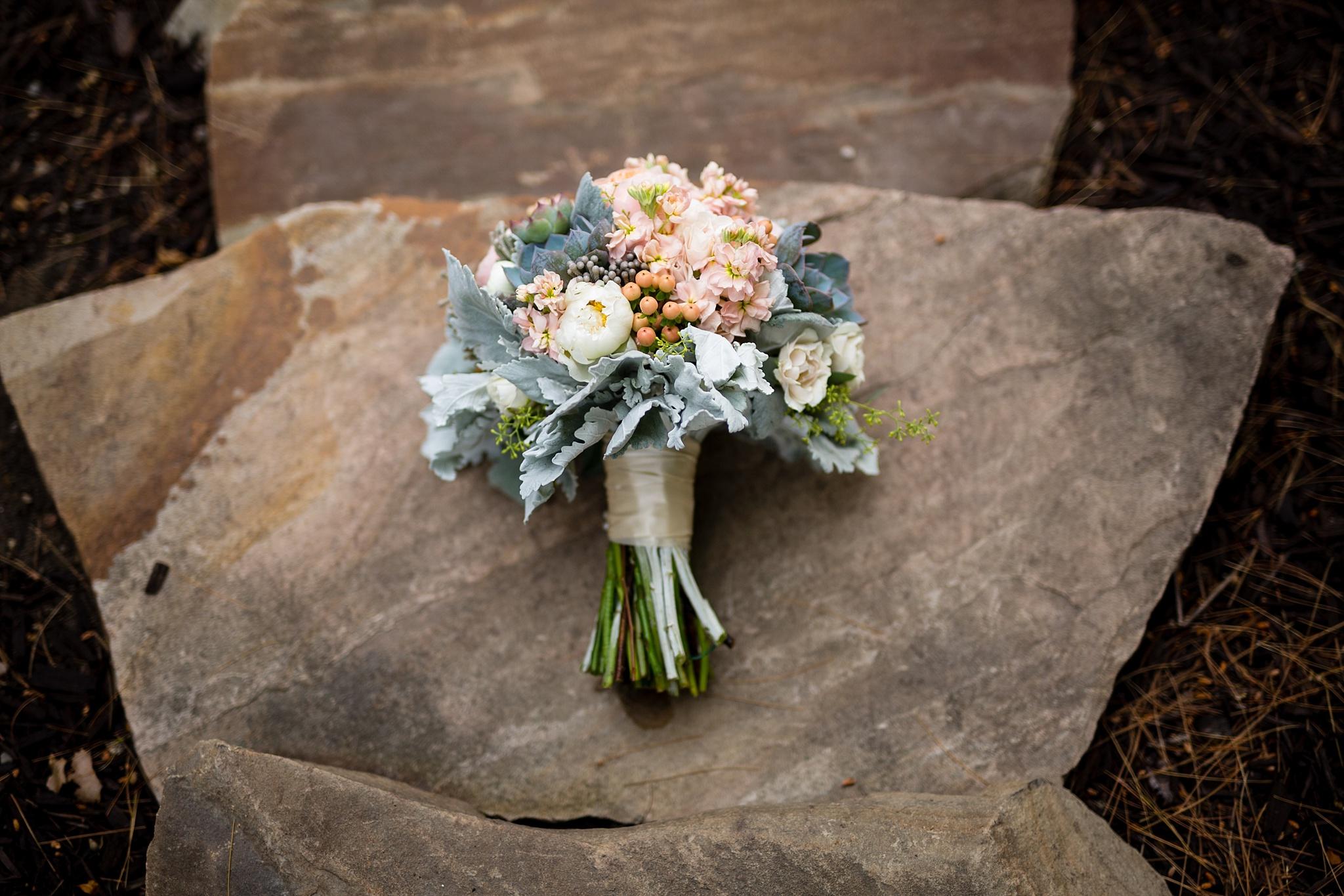 Mandi_Jack_Treehouse_Grand_Rapids_Wedding_0003.jpg