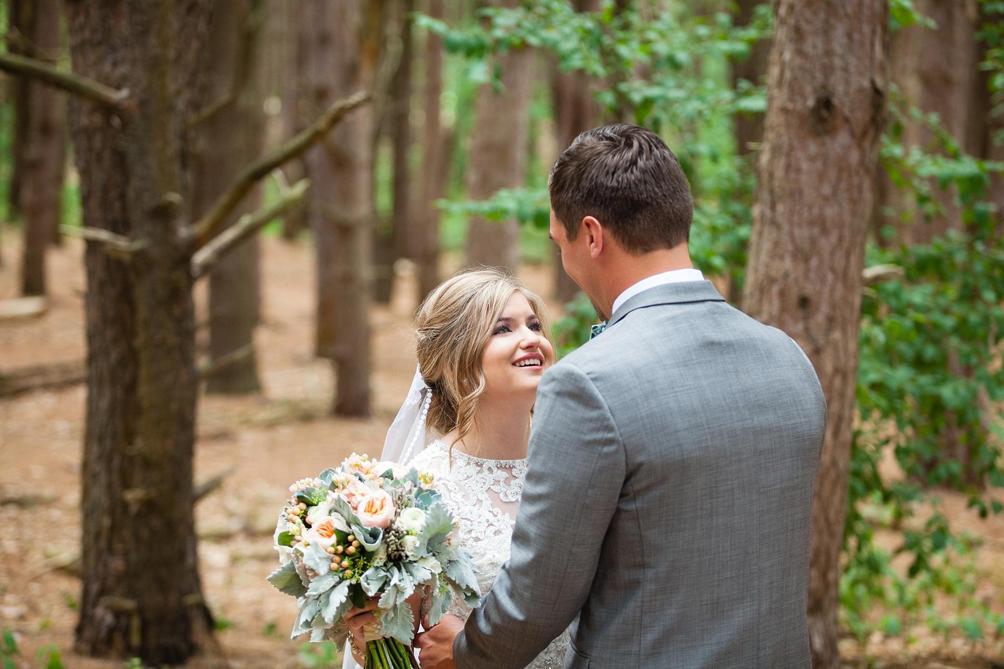 Mandi_Jack_Treehouse_Grand_Rapids_Wedding_0020.jpg