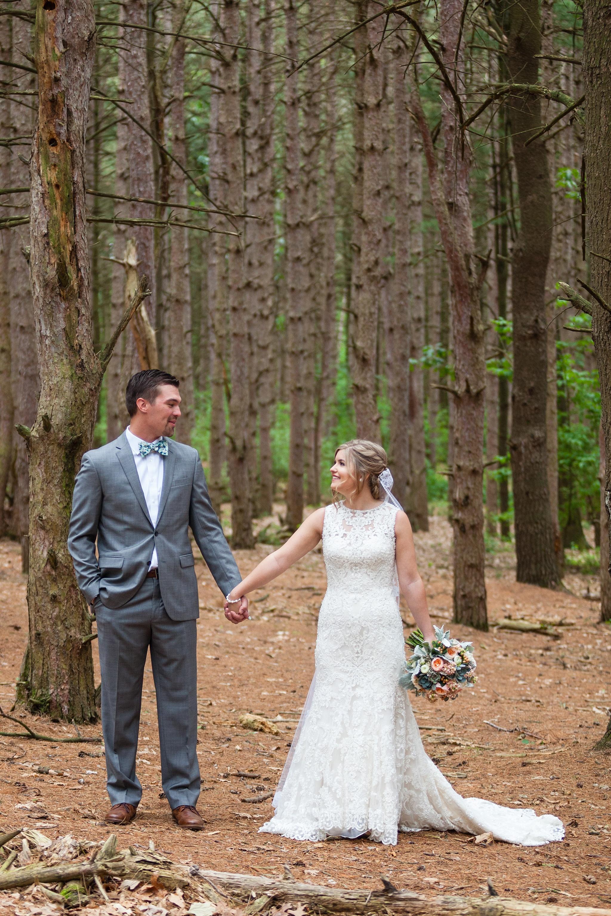 Mandi_Jack_Treehouse_Grand_Rapids_Wedding_0027.jpg