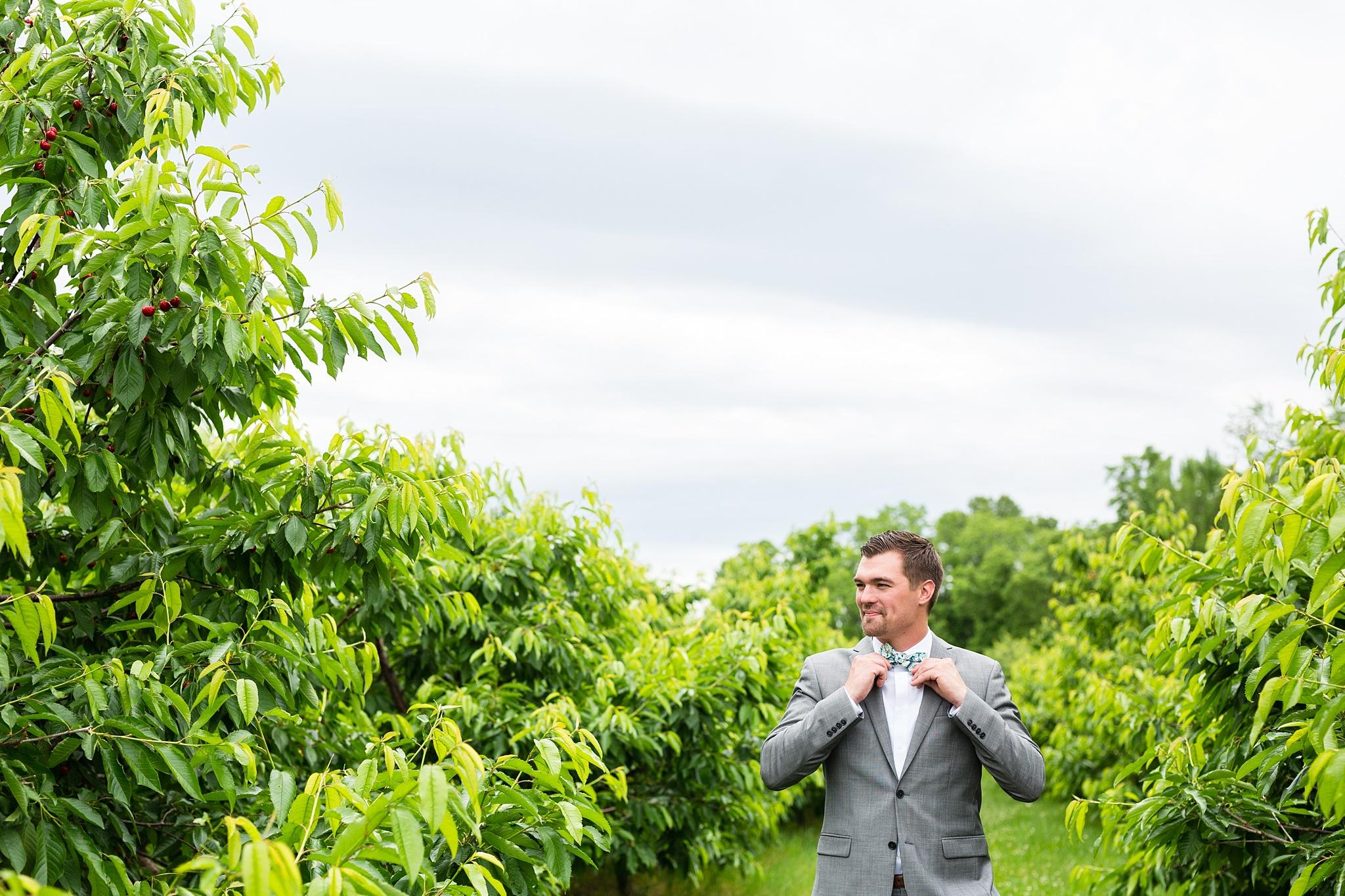 Mandi_Jack_Treehouse_Grand_Rapids_Wedding_0030.jpg