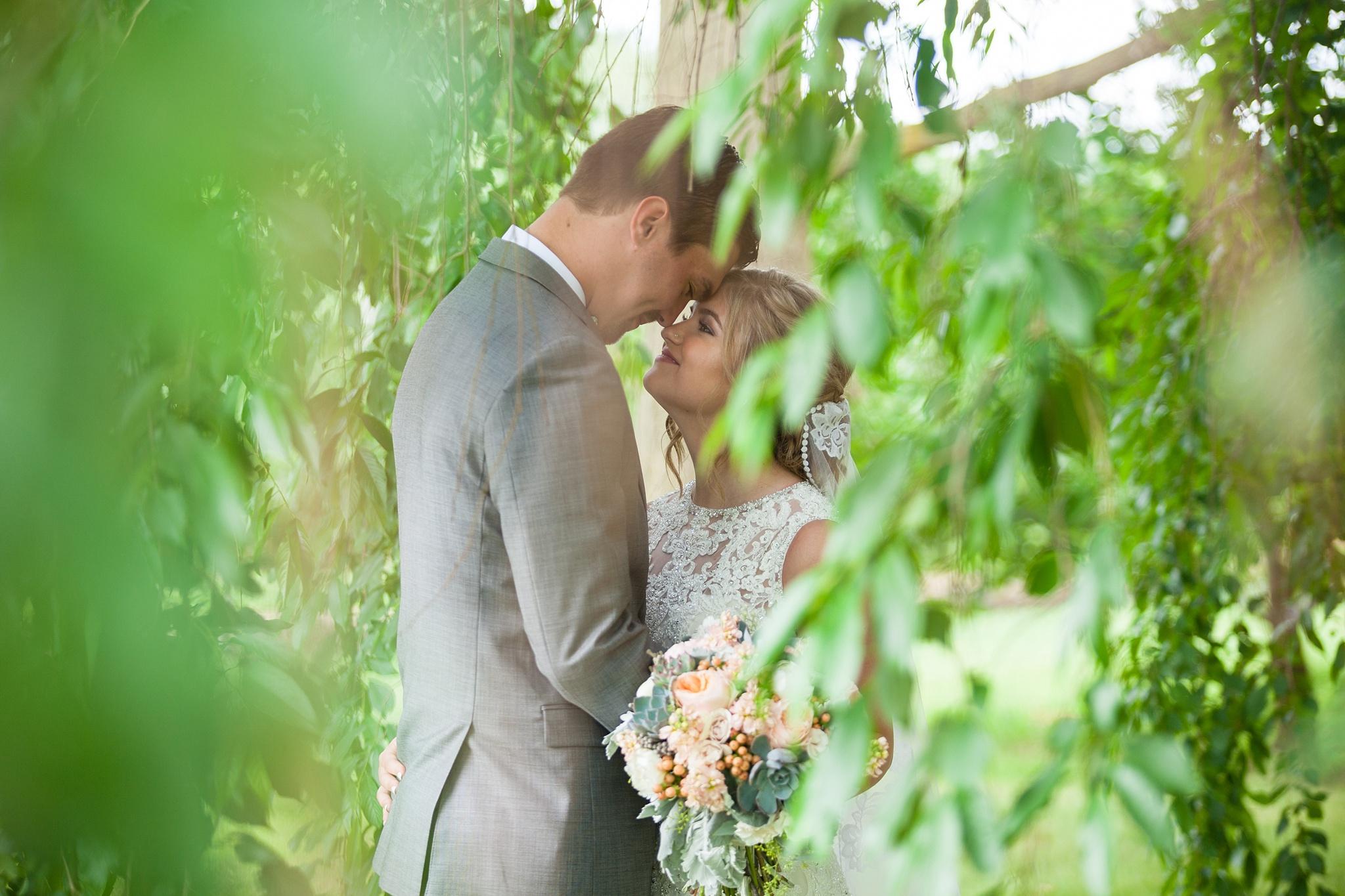 Mandi_Jack_Treehouse_Grand_Rapids_Wedding_0038.jpg