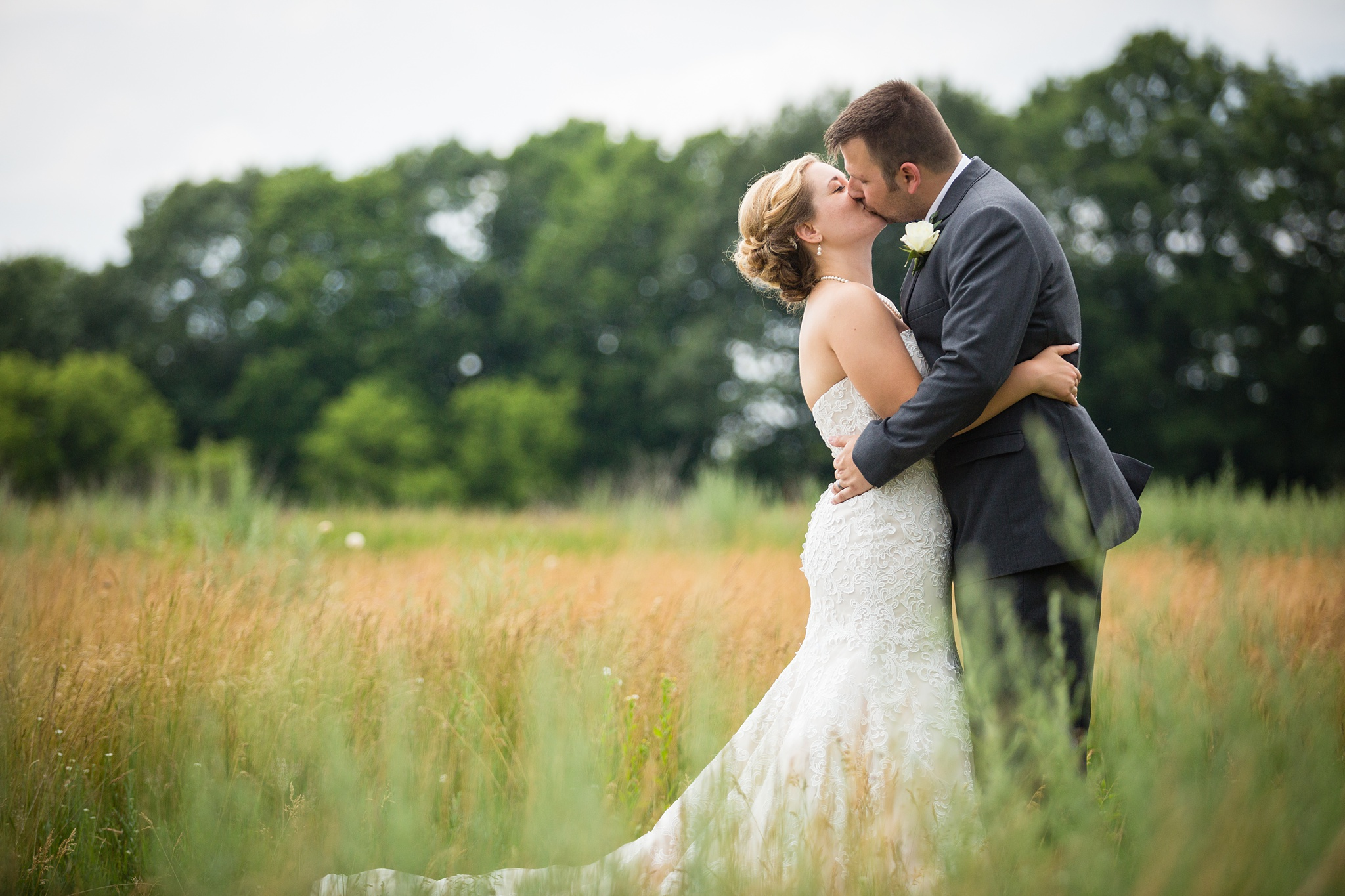 Brandon_Shafer_Photography_Grand_Rapids_Bride_Groom_0032.jpg