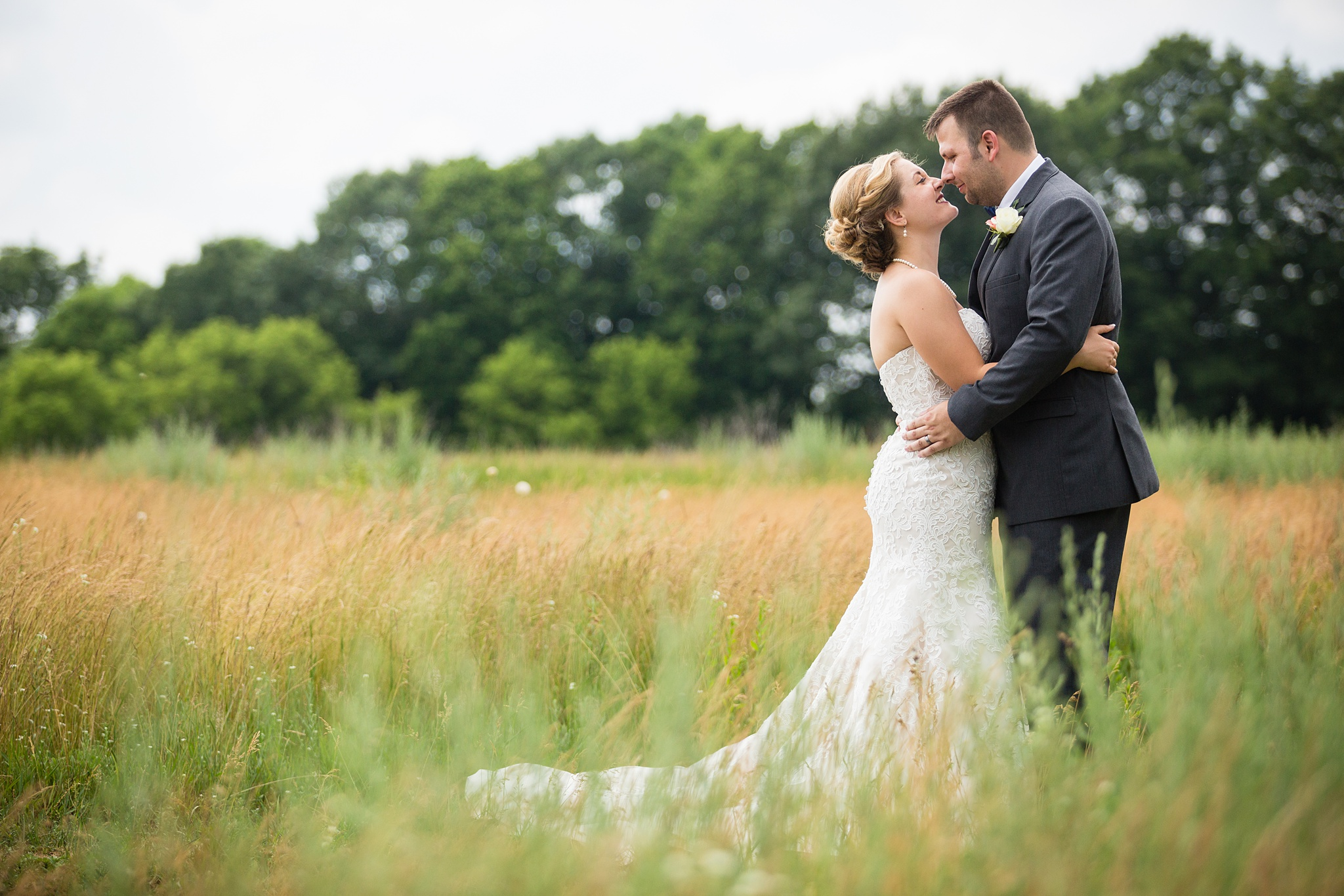 Brandon_Shafer_Photography_Grand_Rapids_Bride_Groom_0033.jpg
