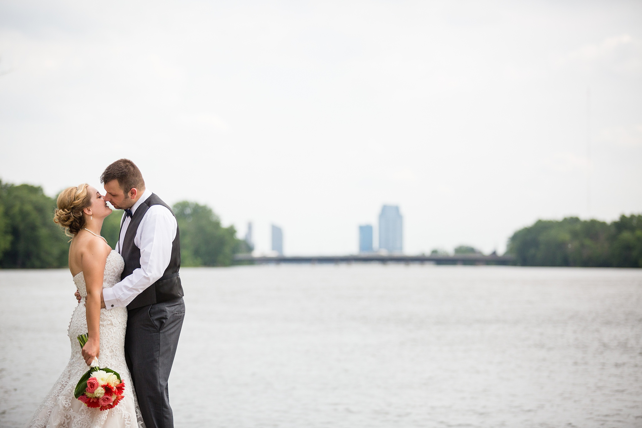 Brandon_Shafer_Photography_Grand_Rapids_Bride_Groom_0041.jpg