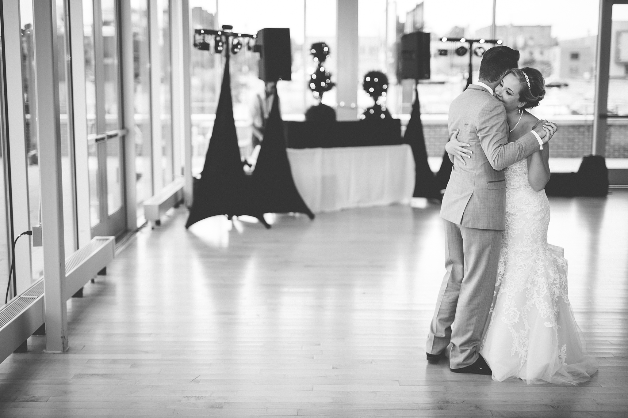 Brandon_Shafer_Photography_Grand_Rapids_Bride_Groom_0056.jpg