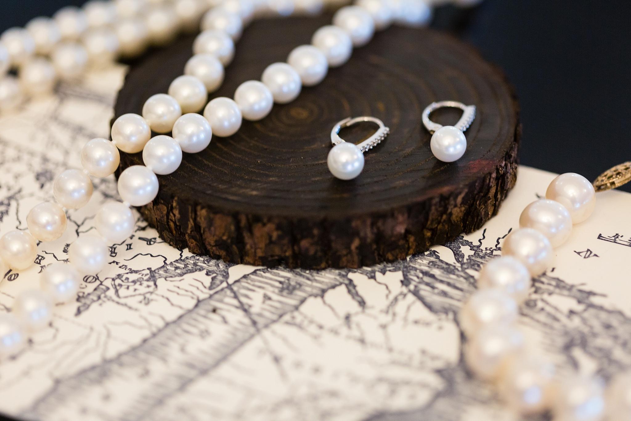 Becky_Cameron_Grand_Rapids_Blythefield Country_Club_Wedding016.JPG