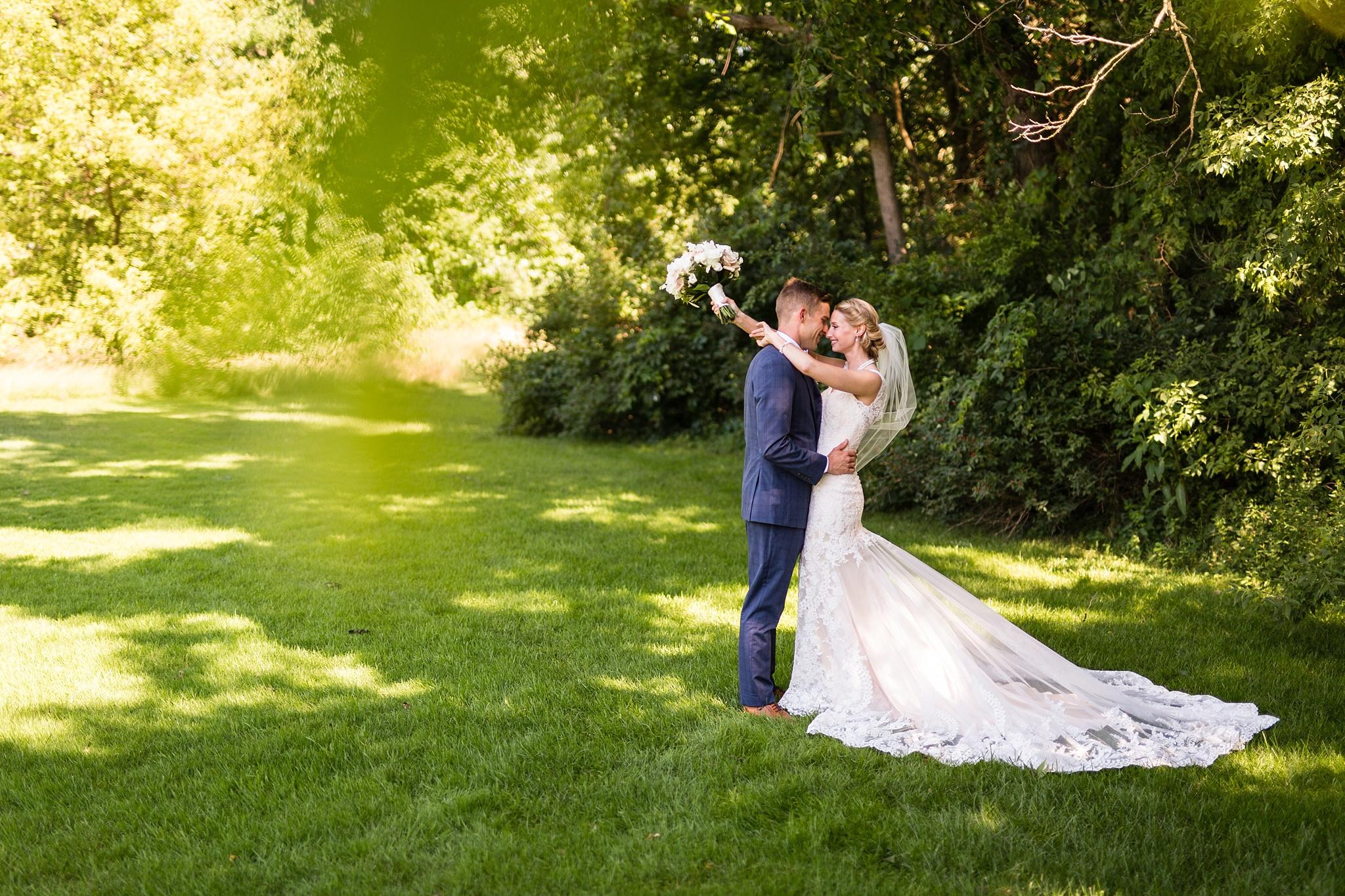 Becky_Cameron_Grand_Rapids_Blythefield Country_Club_Wedding024.JPG