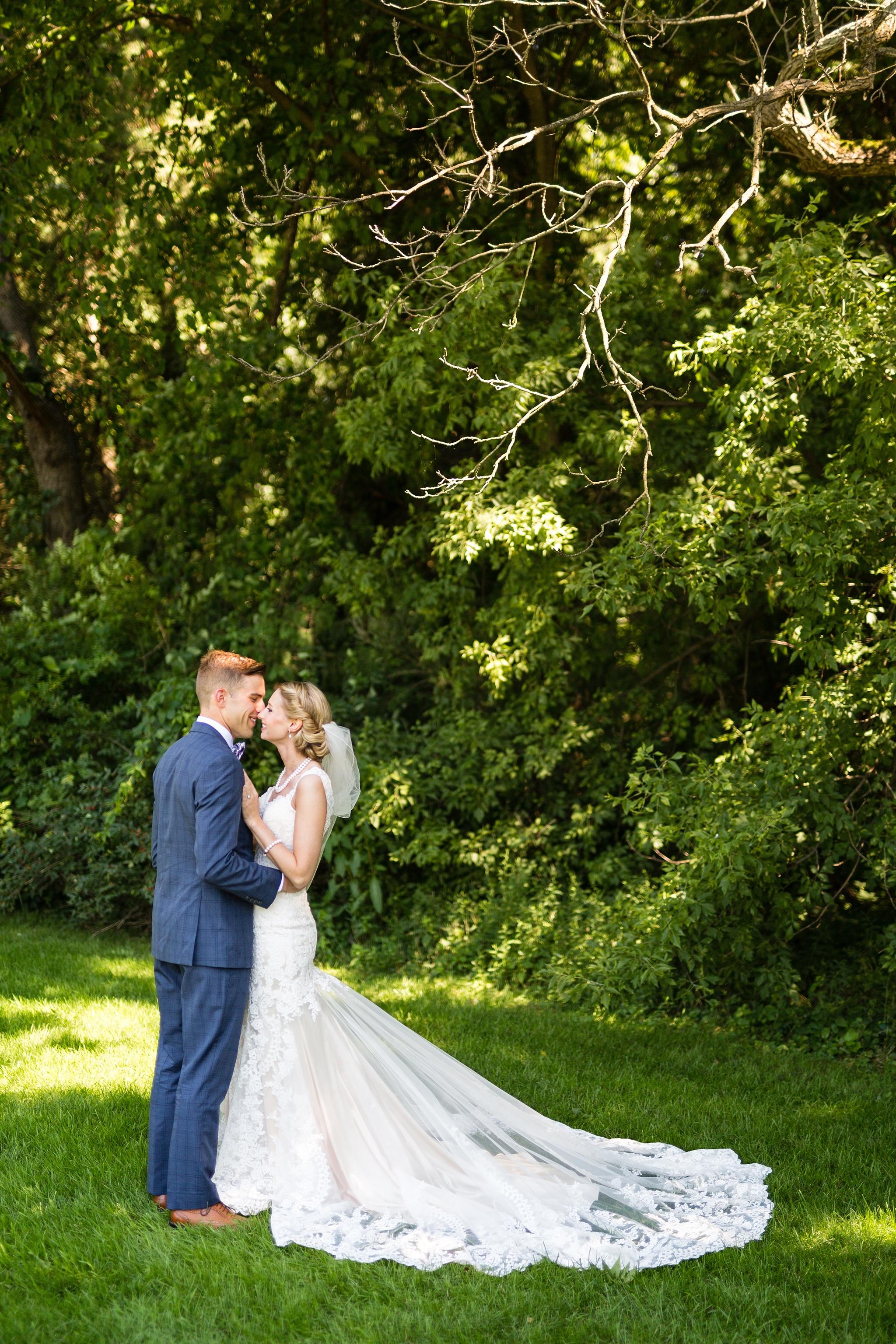 Becky_Cameron_Grand_Rapids_Blythefield Country_Club_Wedding023.JPG