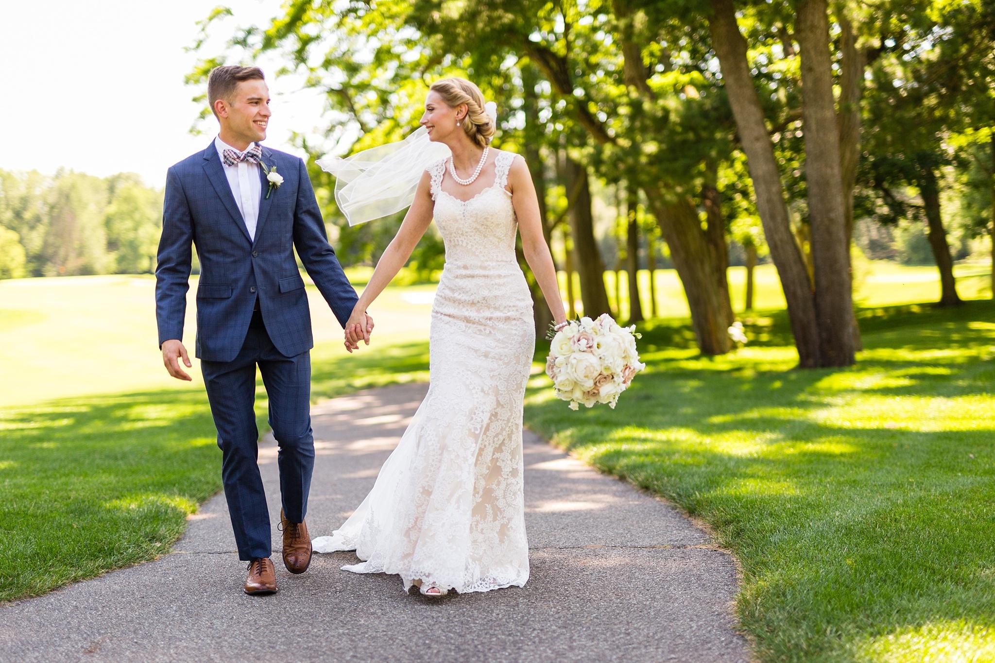 Becky_Cameron_Grand_Rapids_Blythefield Country_Club_Wedding034.JPG