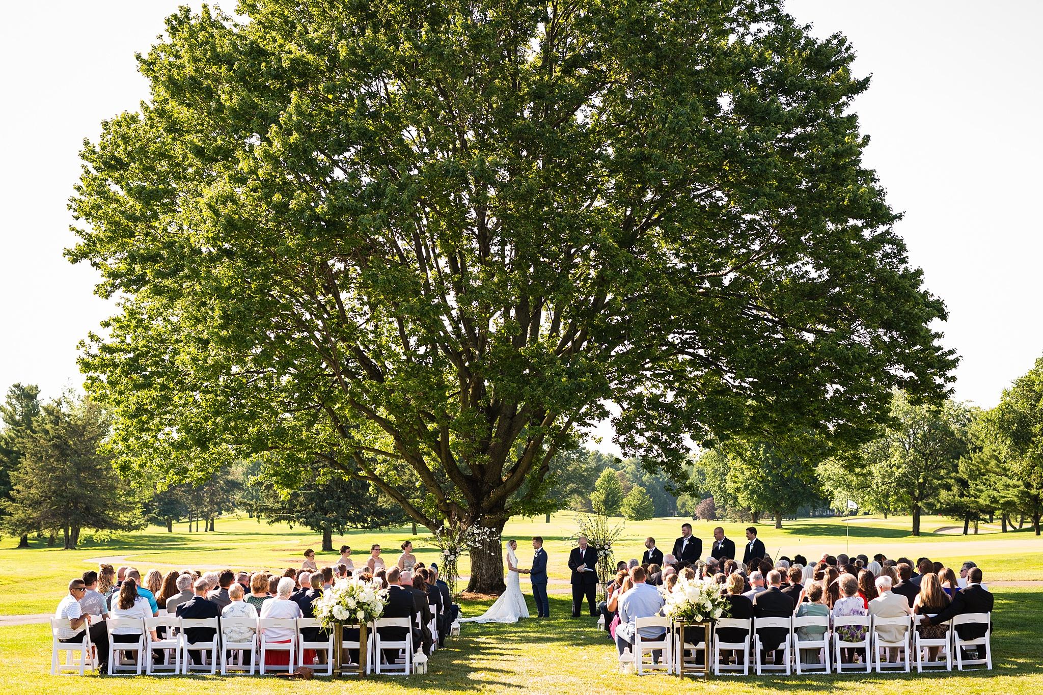Becky_Cameron_Grand_Rapids_Blythefield Country_Club_Wedding043.JPG