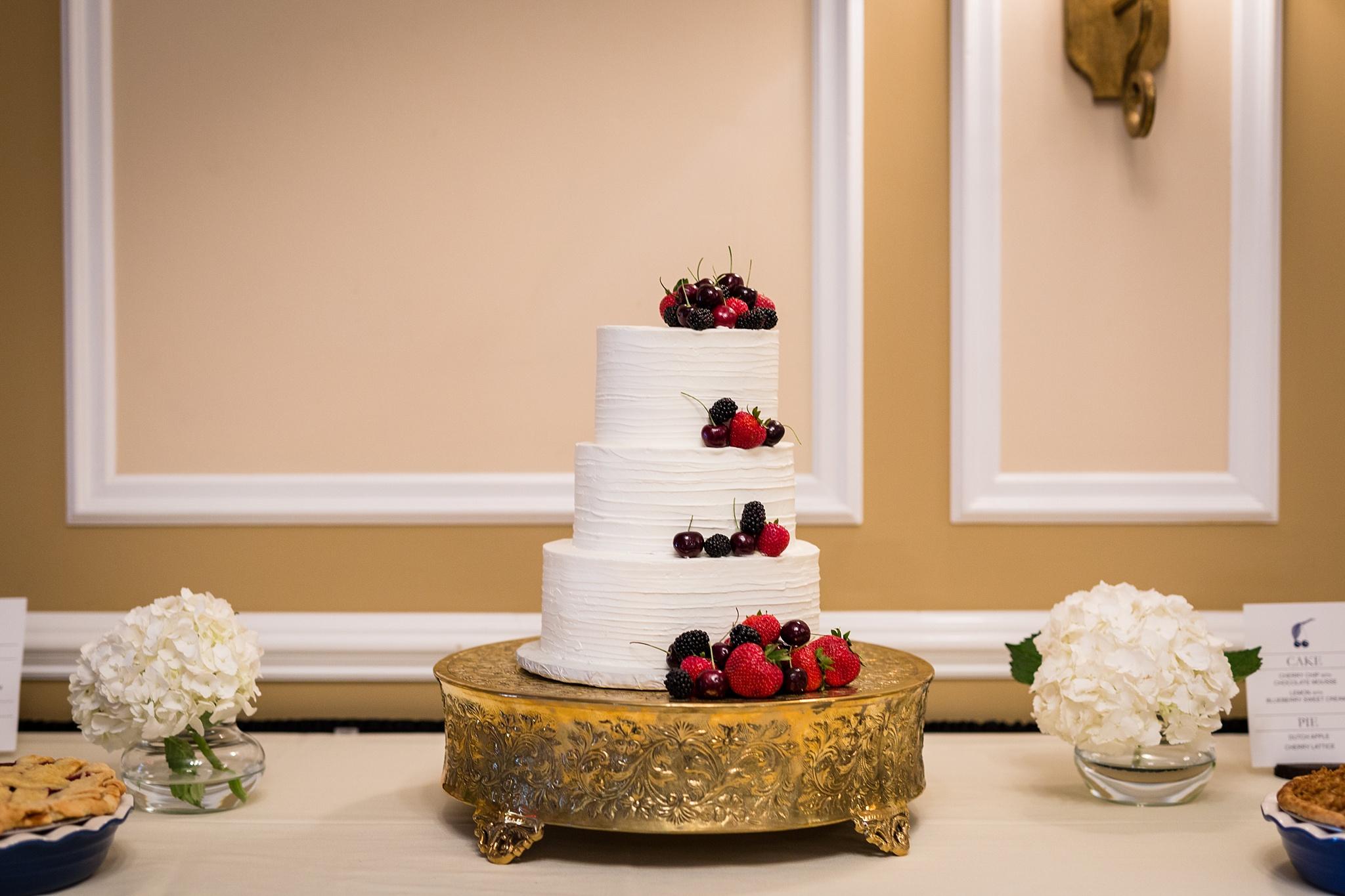 Becky_Cameron_Grand_Rapids_Blythefield Country_Club_Wedding052.JPG