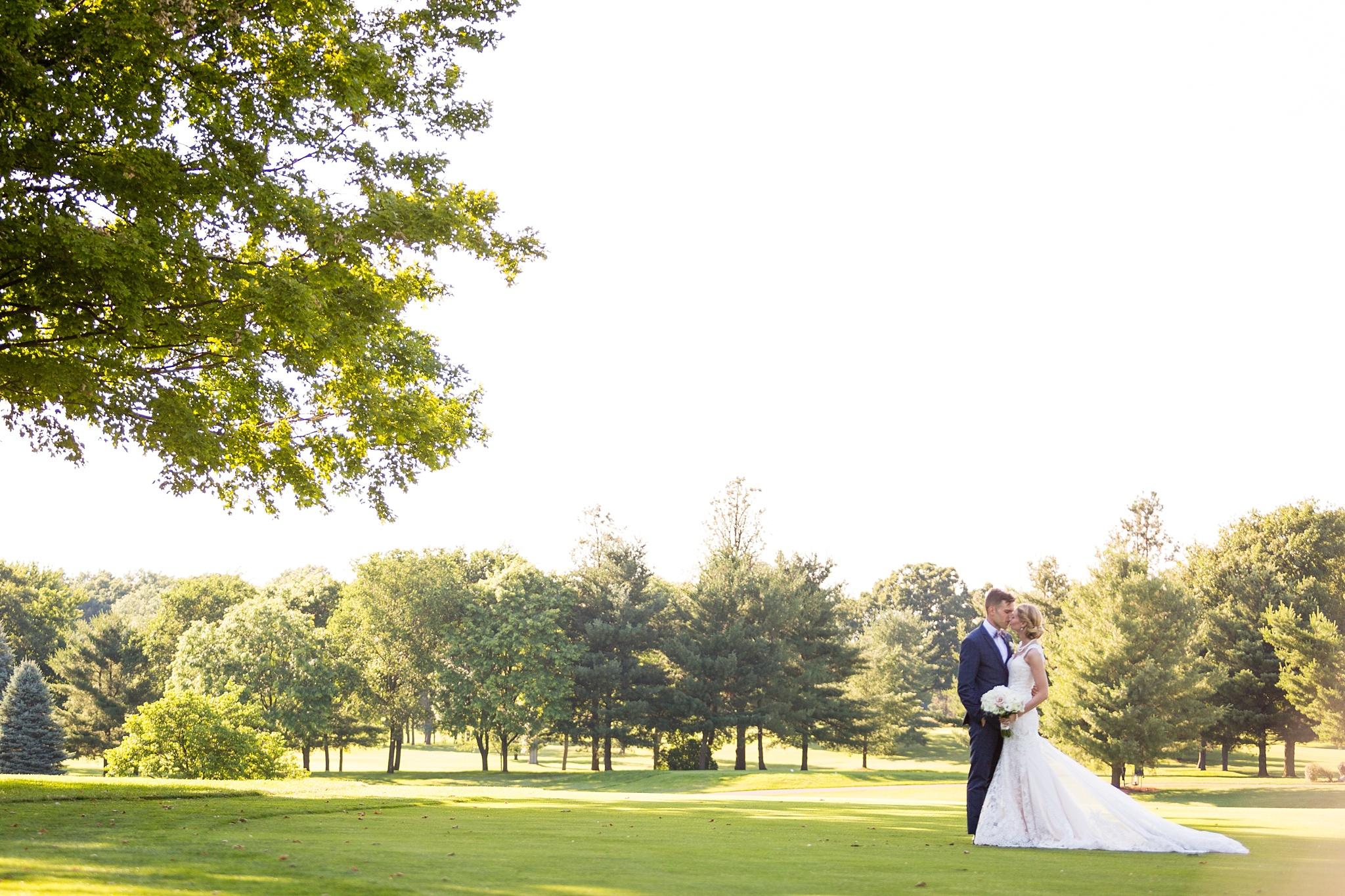 Becky_Cameron_Grand_Rapids_Blythefield Country_Club_Wedding051.JPG