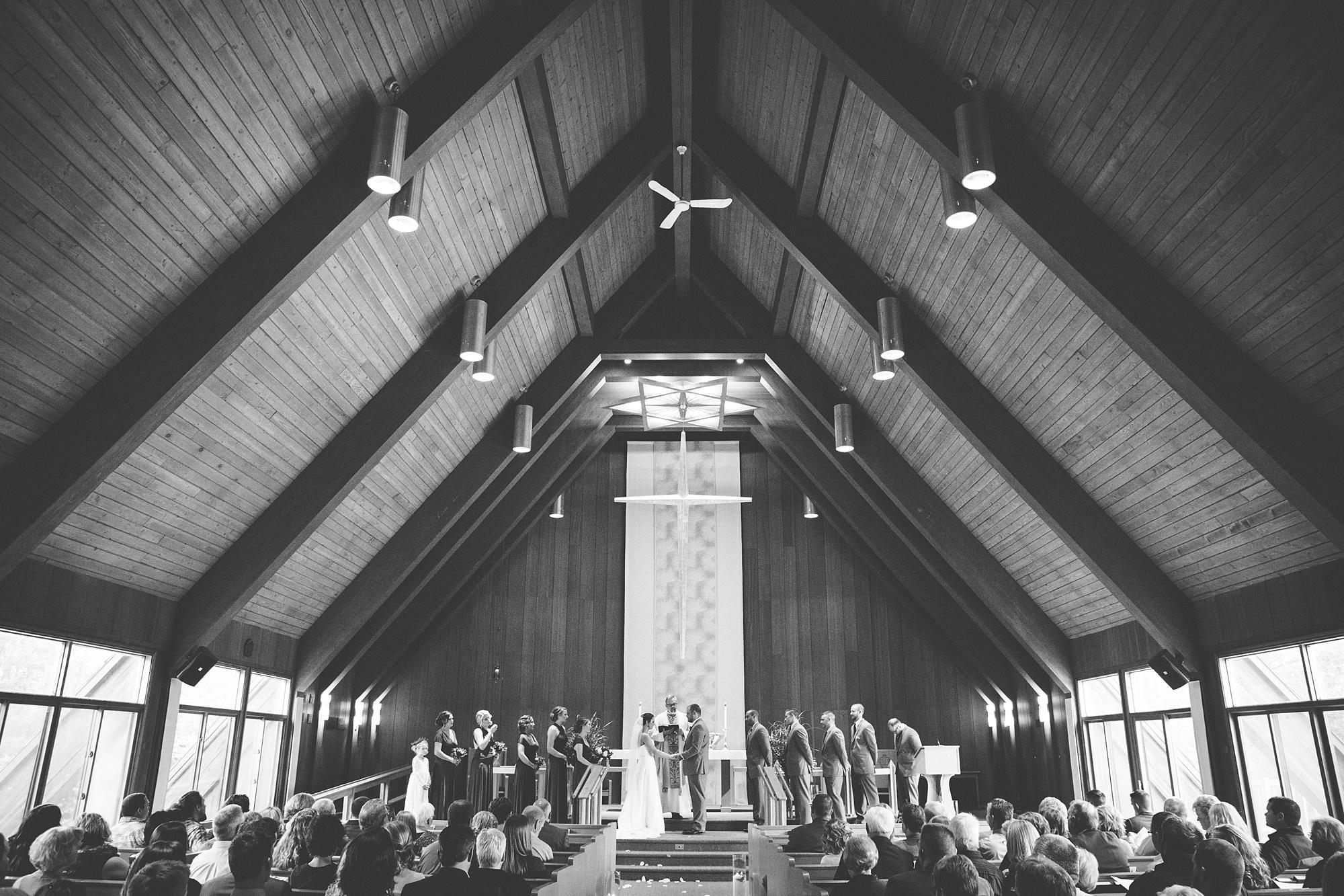 Brandon_Shafer_Photography_Emily_Travis_Kalamazoo_Wedding_Photography_0027.jpg