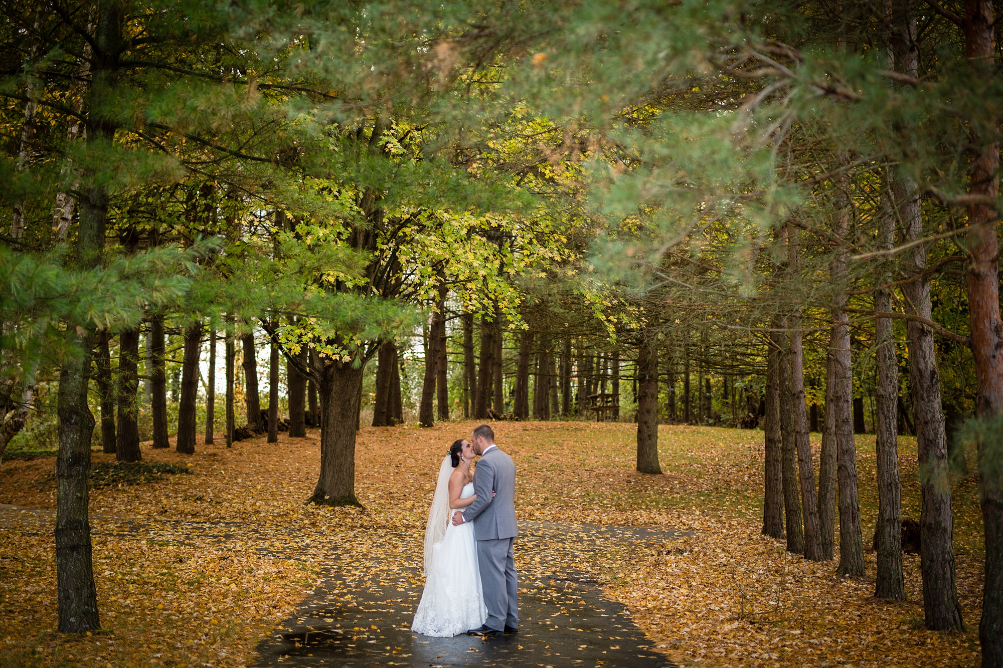Brandon_Shafer_Photography_Emily_Travis_Kalamazoo_Wedding_Photography_0034.jpg