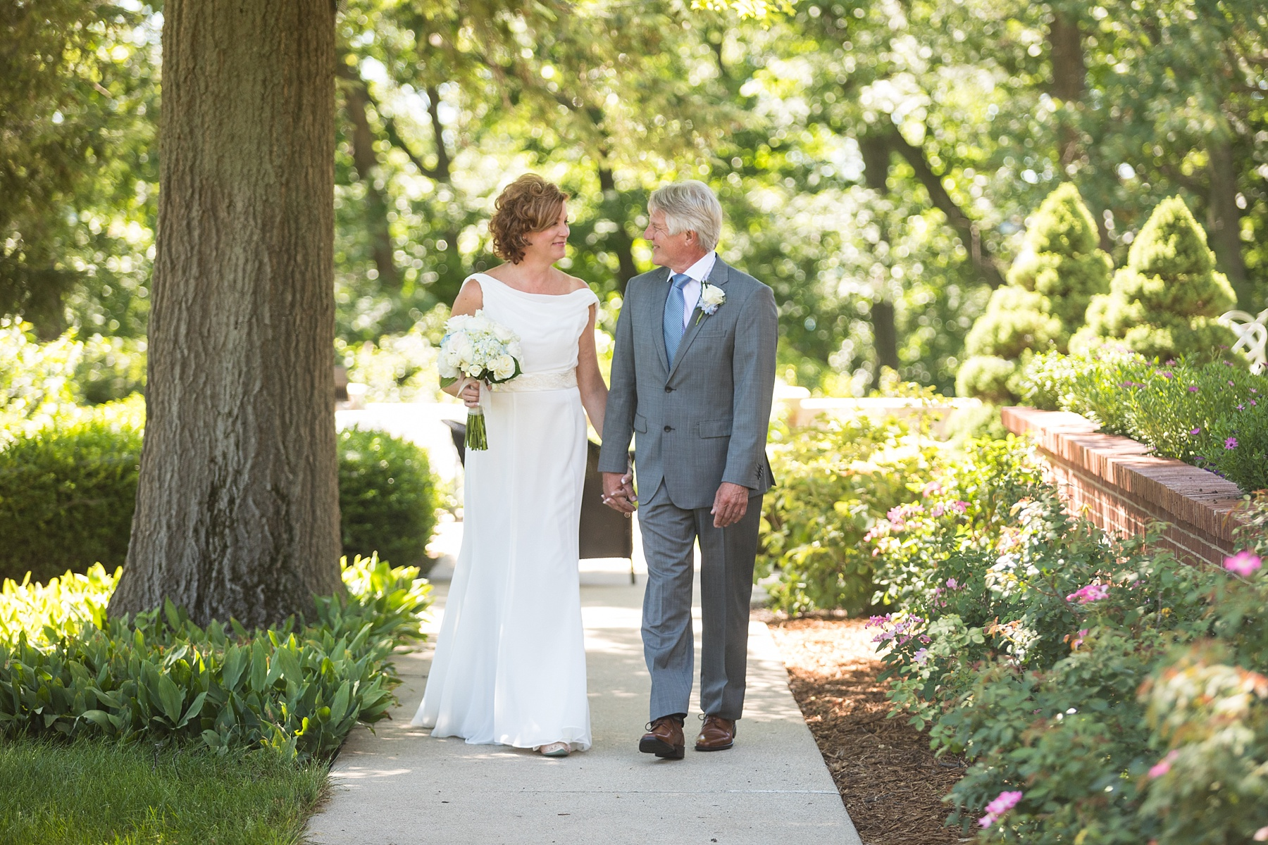 Brandon_Shafer_Photography_Lori_Wes_Gull_Lake_Wedding_0010.jpg