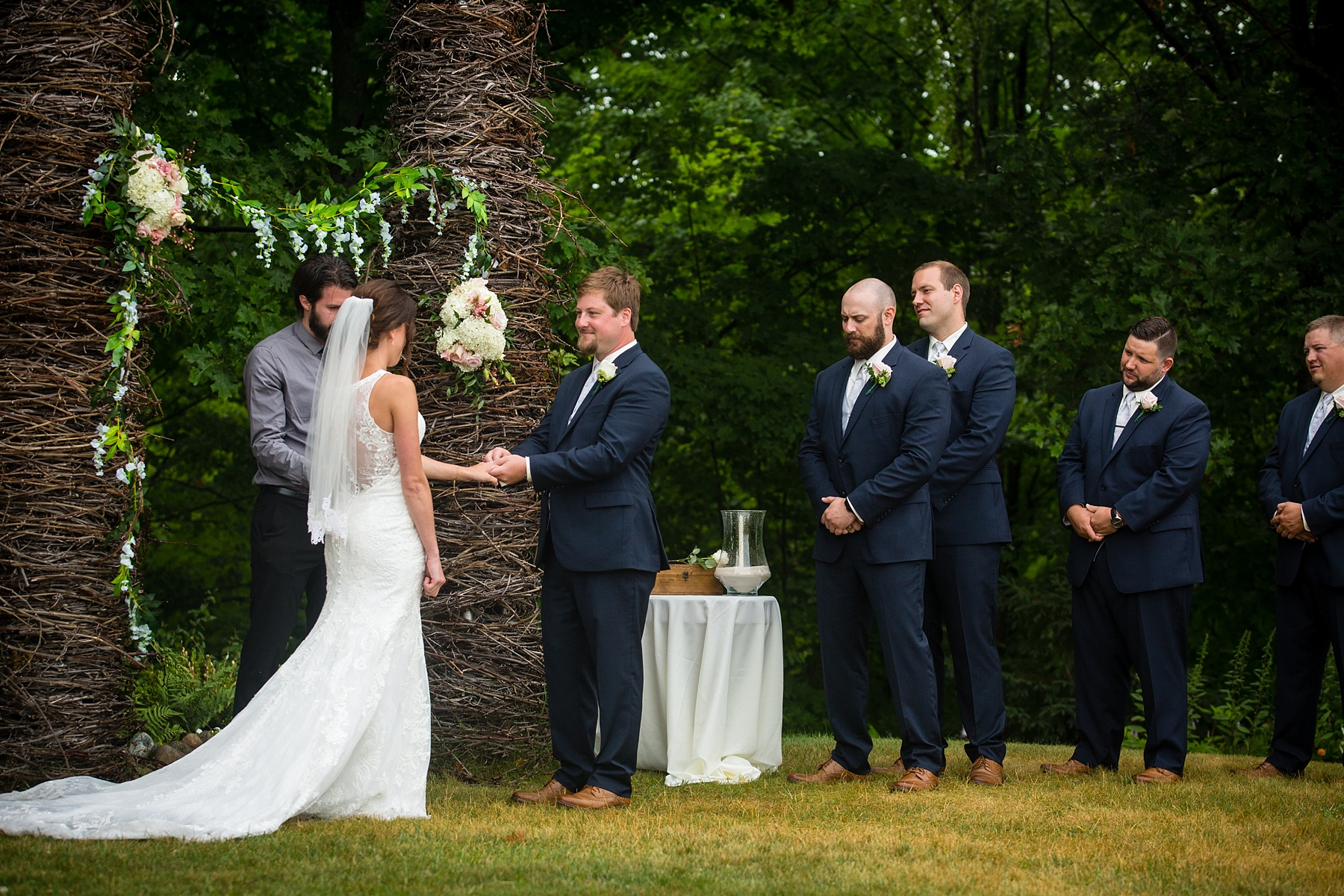 Brandon_Shafer_Photography_Elizabeth_Scott_Traverse_City_Wedding_0034.jpg