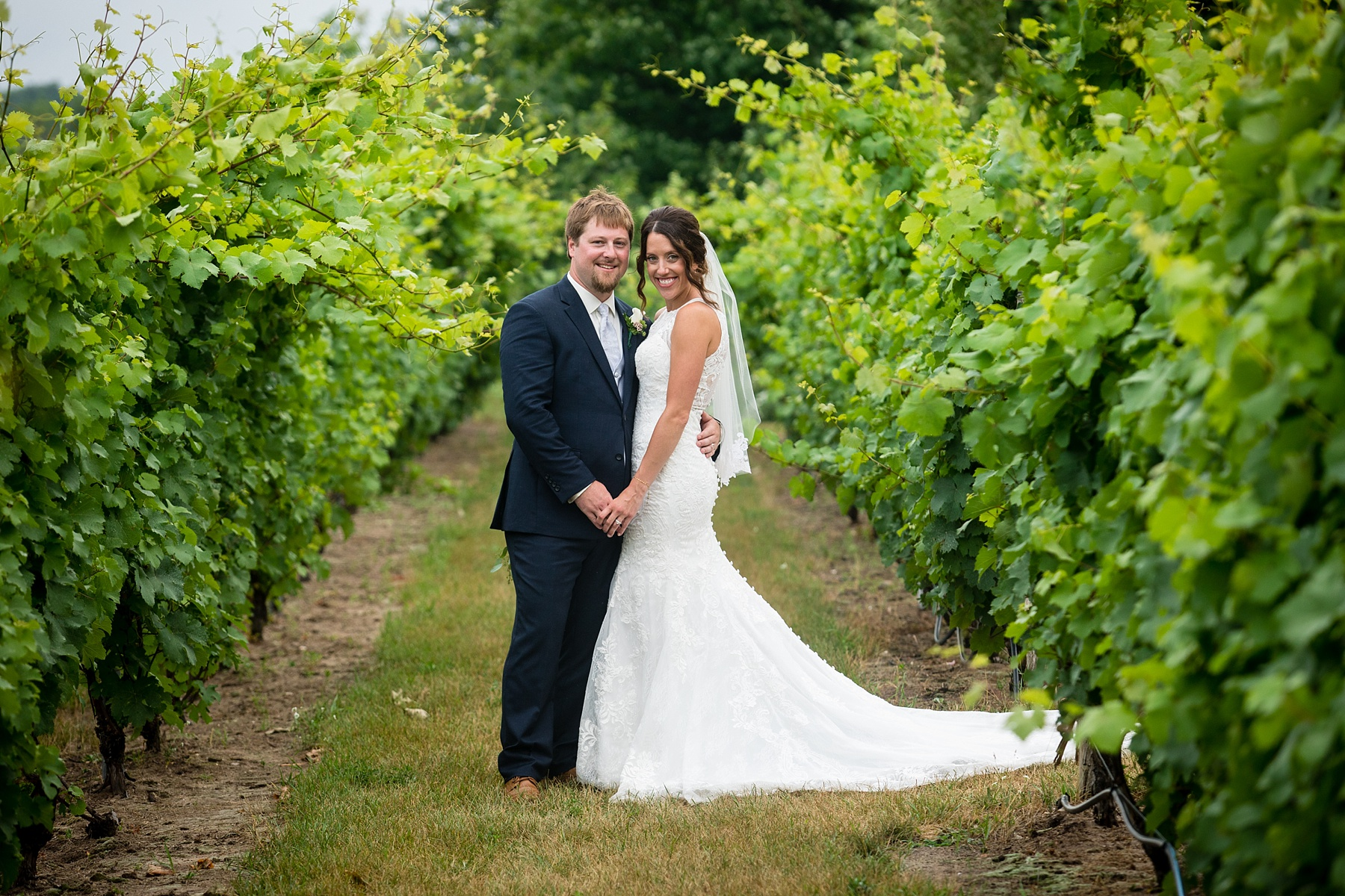 Brandon_Shafer_Photography_Elizabeth_Scott_Traverse_City_Wedding_0043.jpg