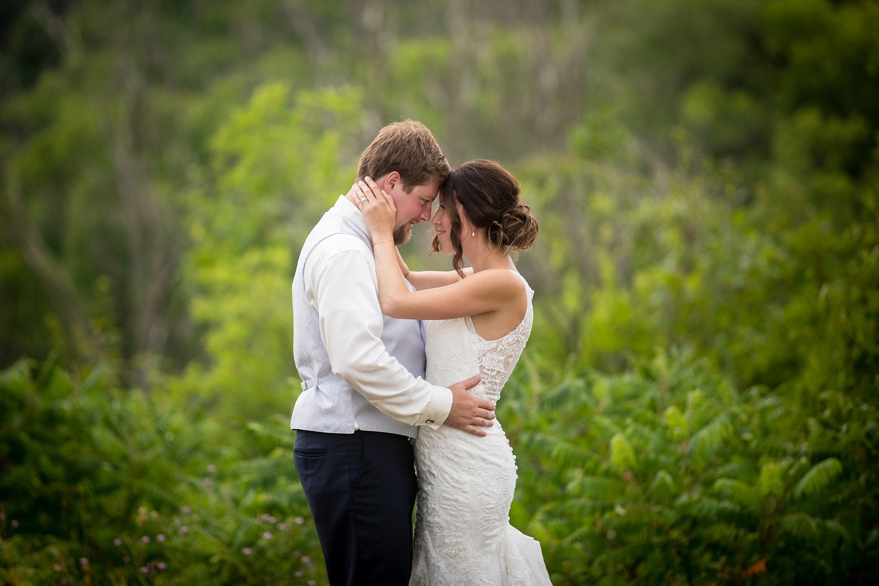 Brandon_Shafer_Photography_Elizabeth_Scott_Traverse_City_Wedding_0052.jpg