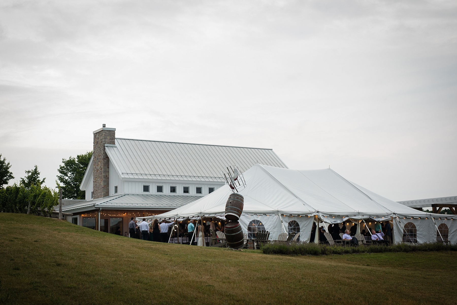 Brandon_Shafer_Photography_Elizabeth_Scott_Traverse_City_Wedding_0055.jpg