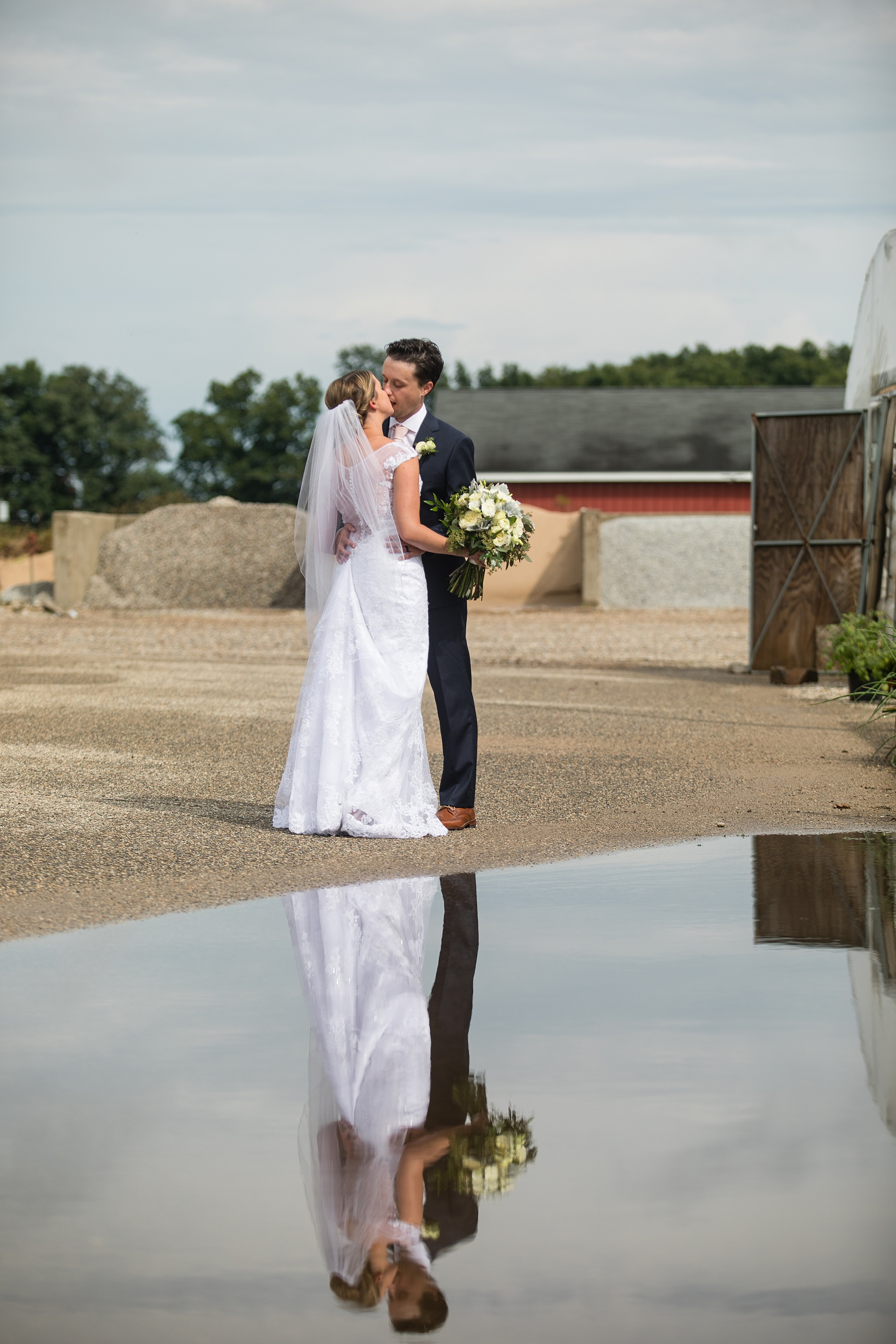 Brandon_Shafer_Photography_Emily_Steve_Bay_Pointe_GunLake_Wedding_0035.jpg