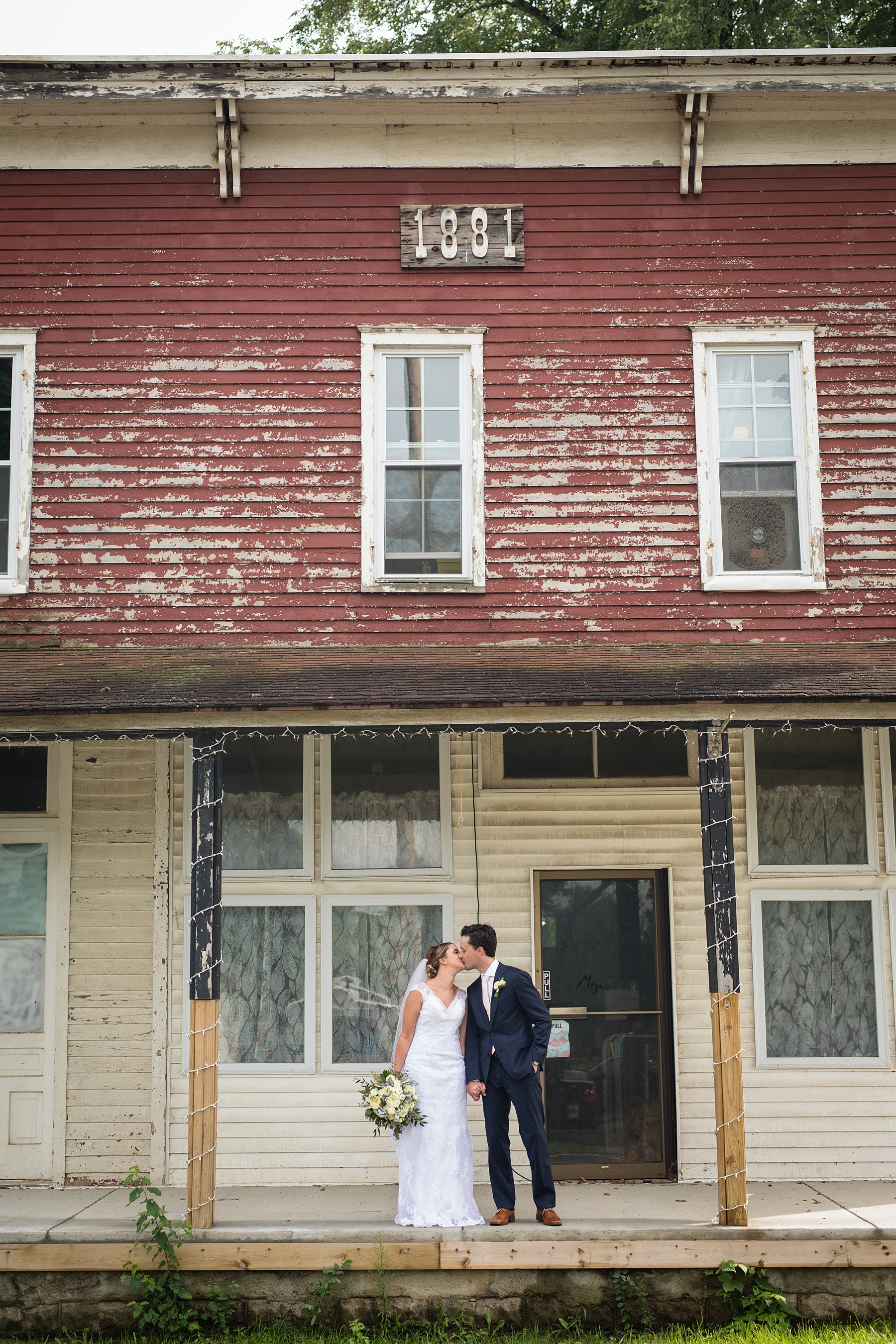 Brandon_Shafer_Photography_Emily_Steve_Bay_Pointe_GunLake_Wedding_0044.jpg