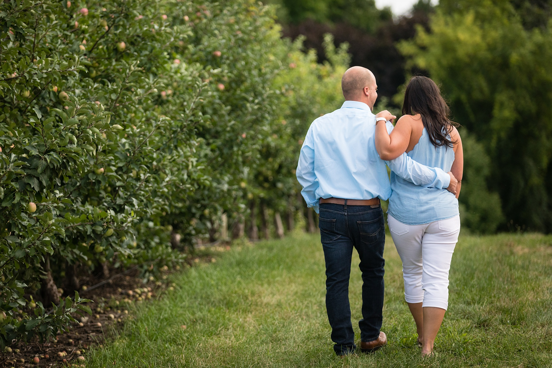 Brandon_Shafer_Photography_Danielle_Matt_Apple_Orchard_Engagement_Photos_0005.jpg