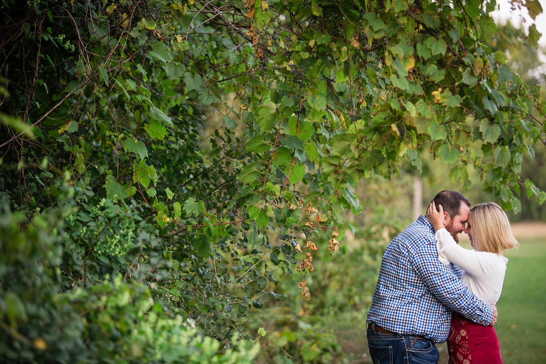 Brandon_Shafer_Photography_Megan_Nate_West_Michigan_Engagement_Photos_0012.jpg