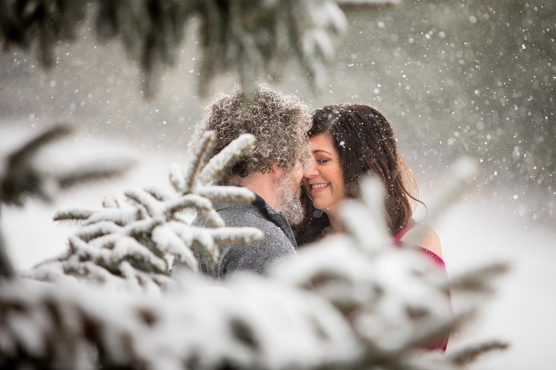 Brandon_Shafer_Photography_Winter_Engagement005.JPG