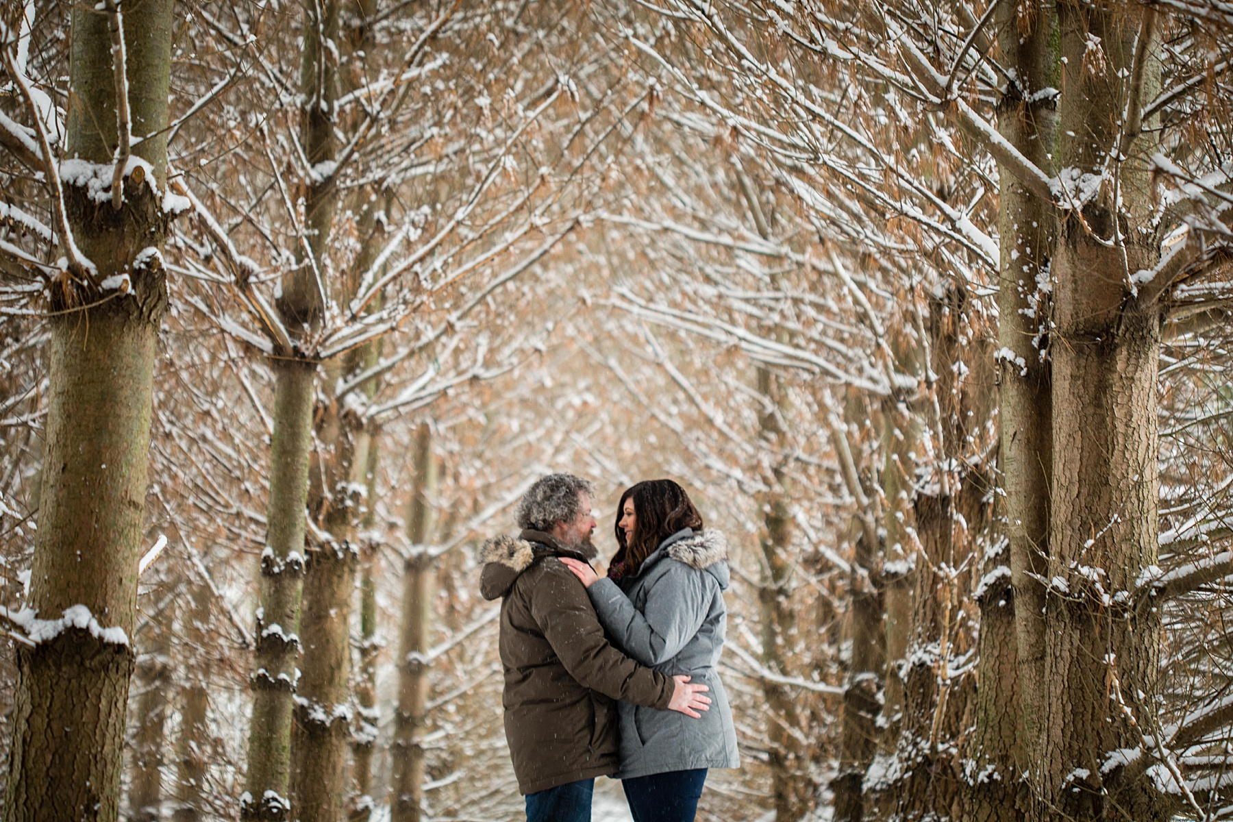 Brandon_Shafer_Photography_Winter_Engagement010.JPG