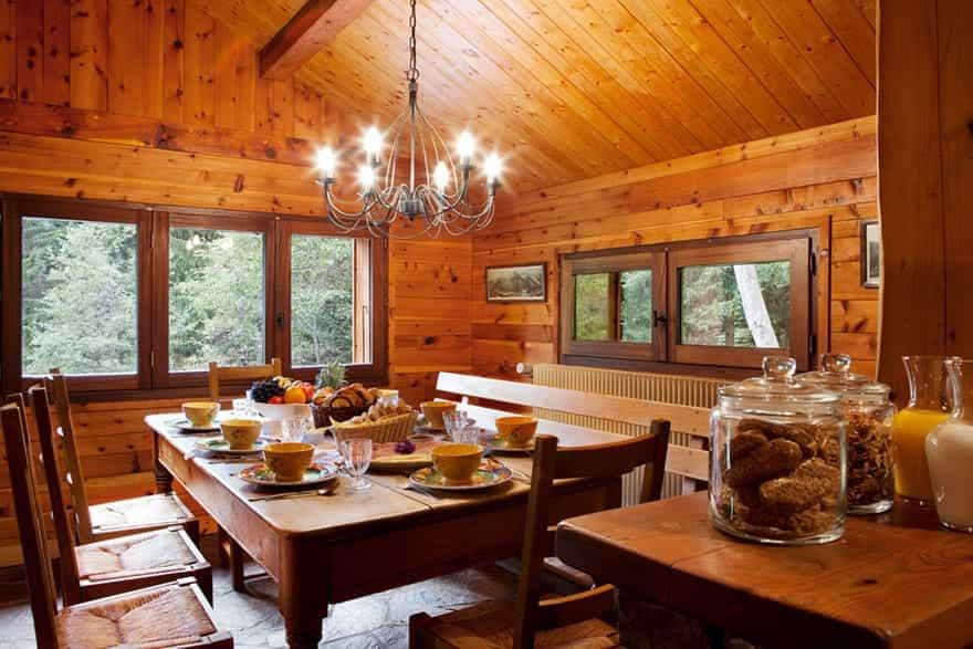 chalet-dining-area.jpg