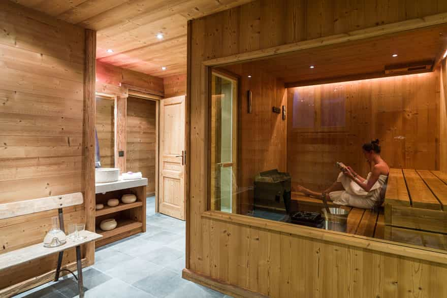 sauna-in-luxury-chalet.jpg