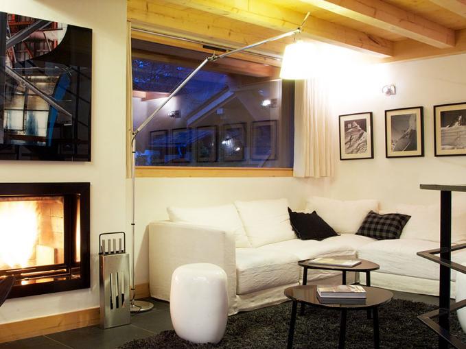 les-rives-d-argentiere-chalet-cristal-lounge-area-2.jpg
