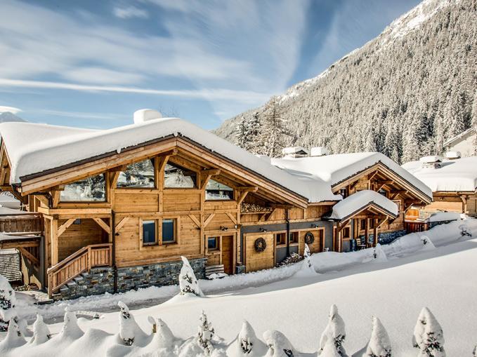 les-rives-d-argentiere-chamonix-the-hamlet-winter-view-2.jpg