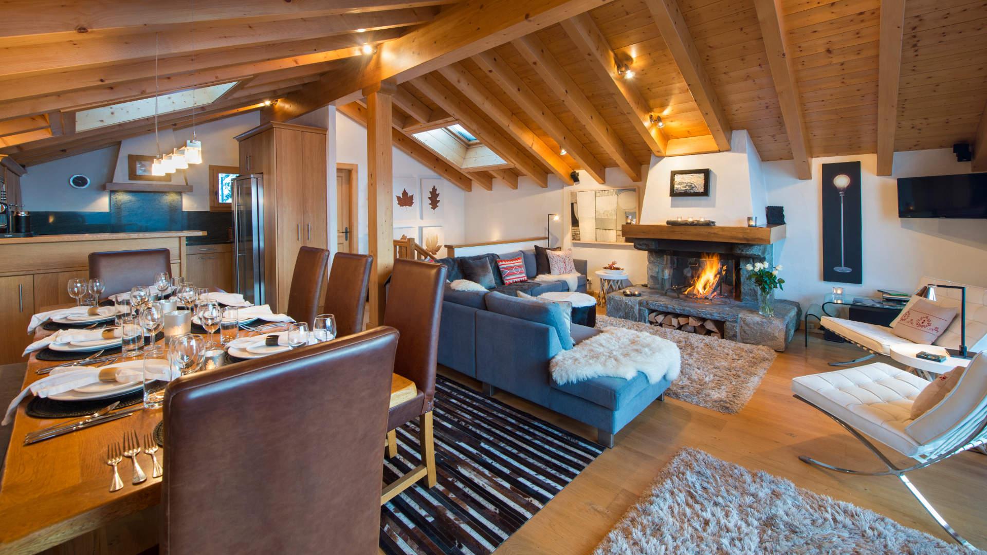 Sorojasa_-_Living_Room_3_1.jpg