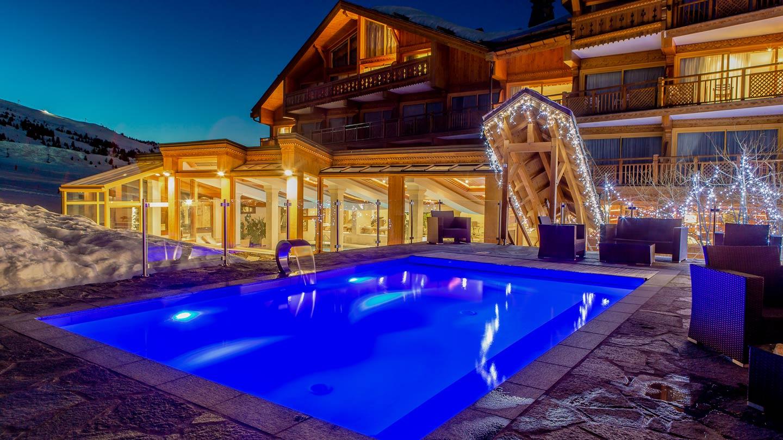 photo_3_FR_piscine-ext-nuit.jpg