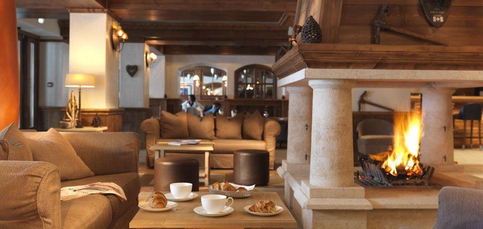 2887842le-portetta-hotel-lounge_12172_high.jpg