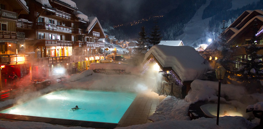 Move_Mountains_Luxury_Holidays_France_Savoie_Three_Valleys_Meribel_Centre_Hotel_Eterlou_Tremplin_Outdoor_Heated_Swimming_pool.jpg