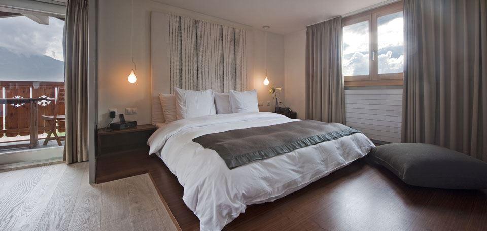359766bedroom.jpg