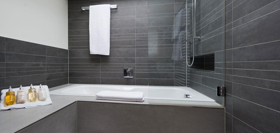 7419244bathroom.jpg