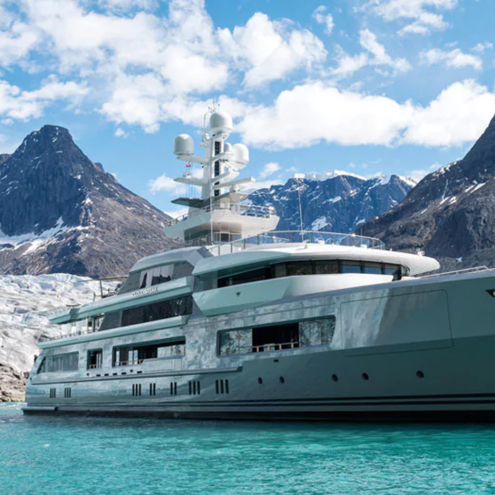 HELI SKIING FROM A SUPERYACHT -