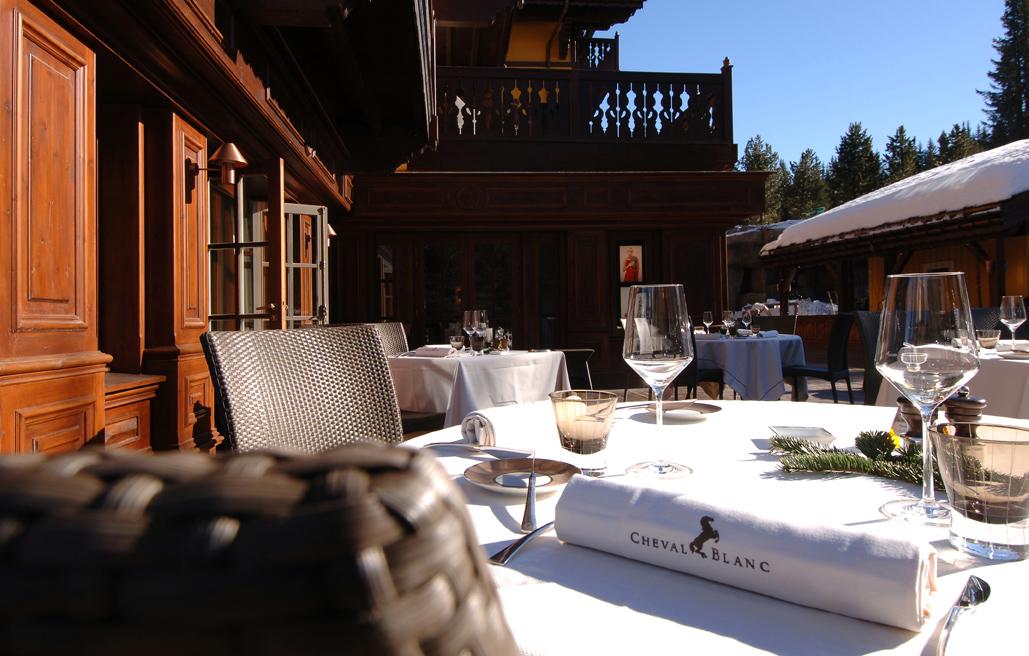 45-terrasse-le-white-white-terrace.jpg