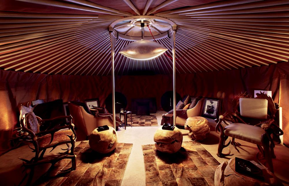 51-yourte-fumoir-cigar-lounge.jpg