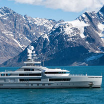 Heli skiing from a super yacht
