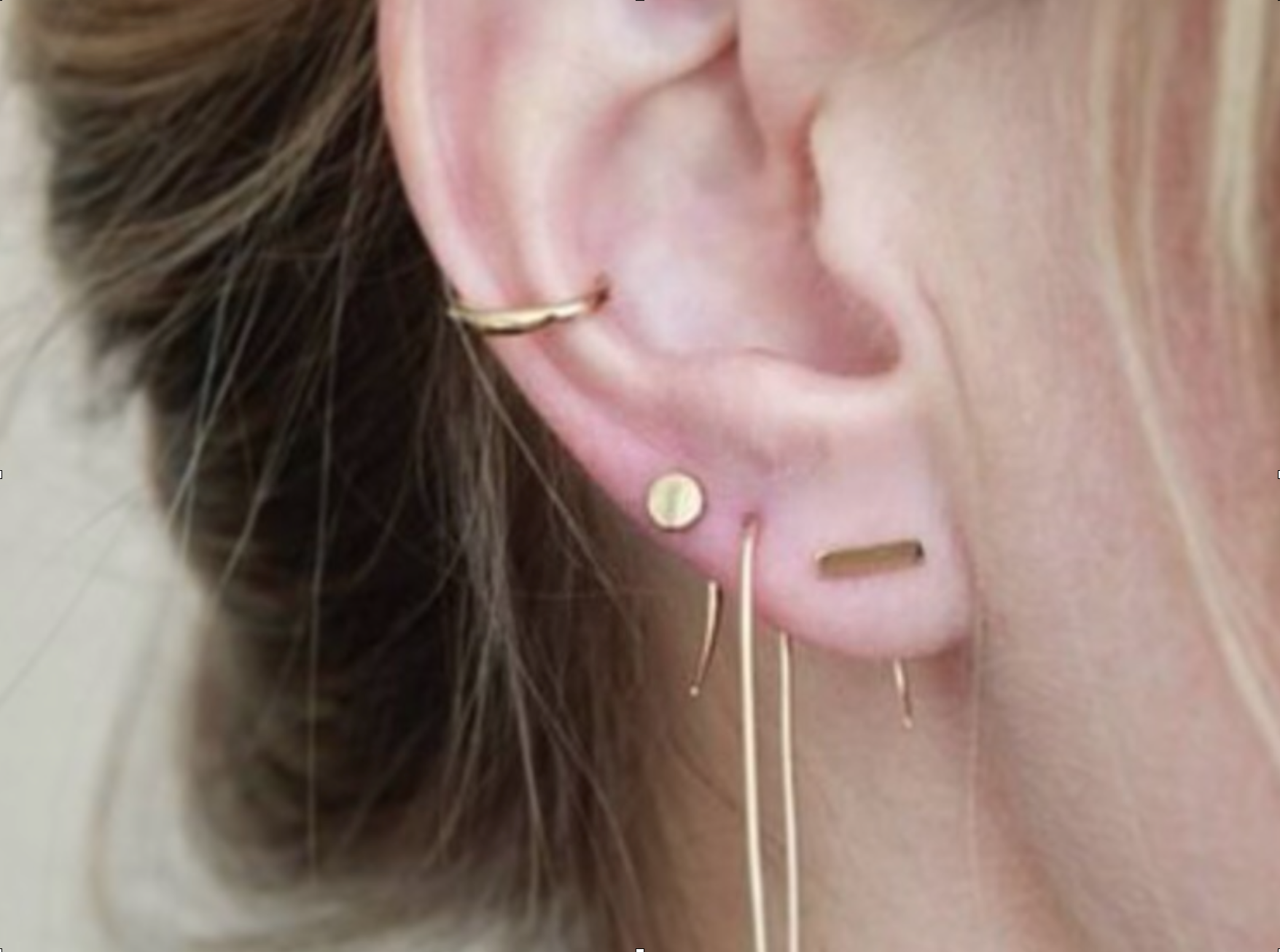 The 'multi-piercing look that i have been coveting for the last few months. This is not my ear (yet!).