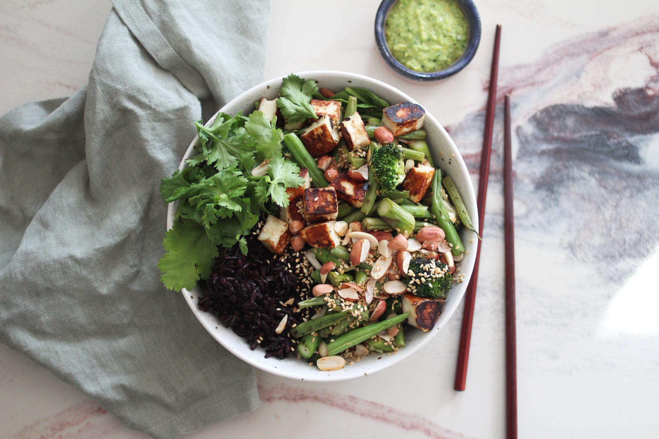 Bowl-halloumi-grønnsaus2.jpg