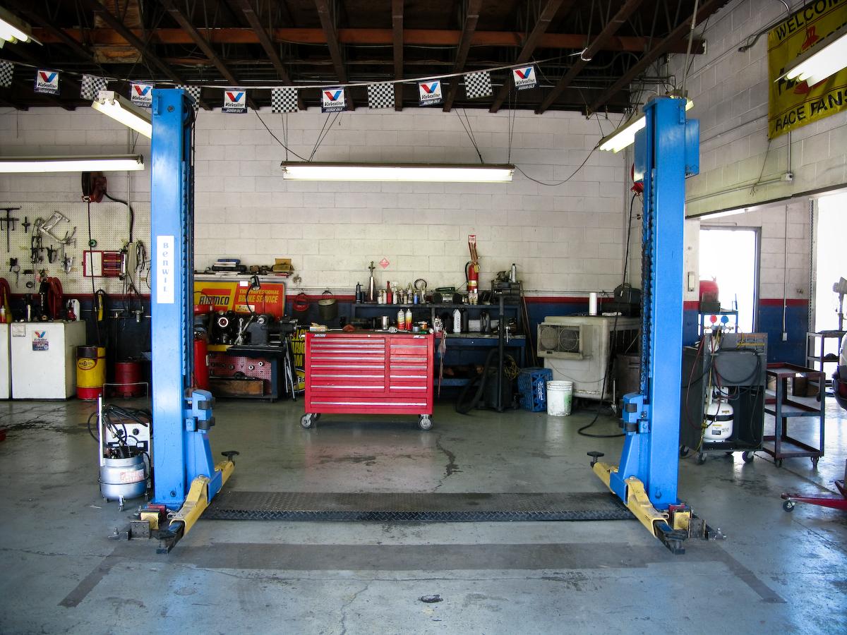 auto-repair-shop-l-65ed006710e62640.jpg