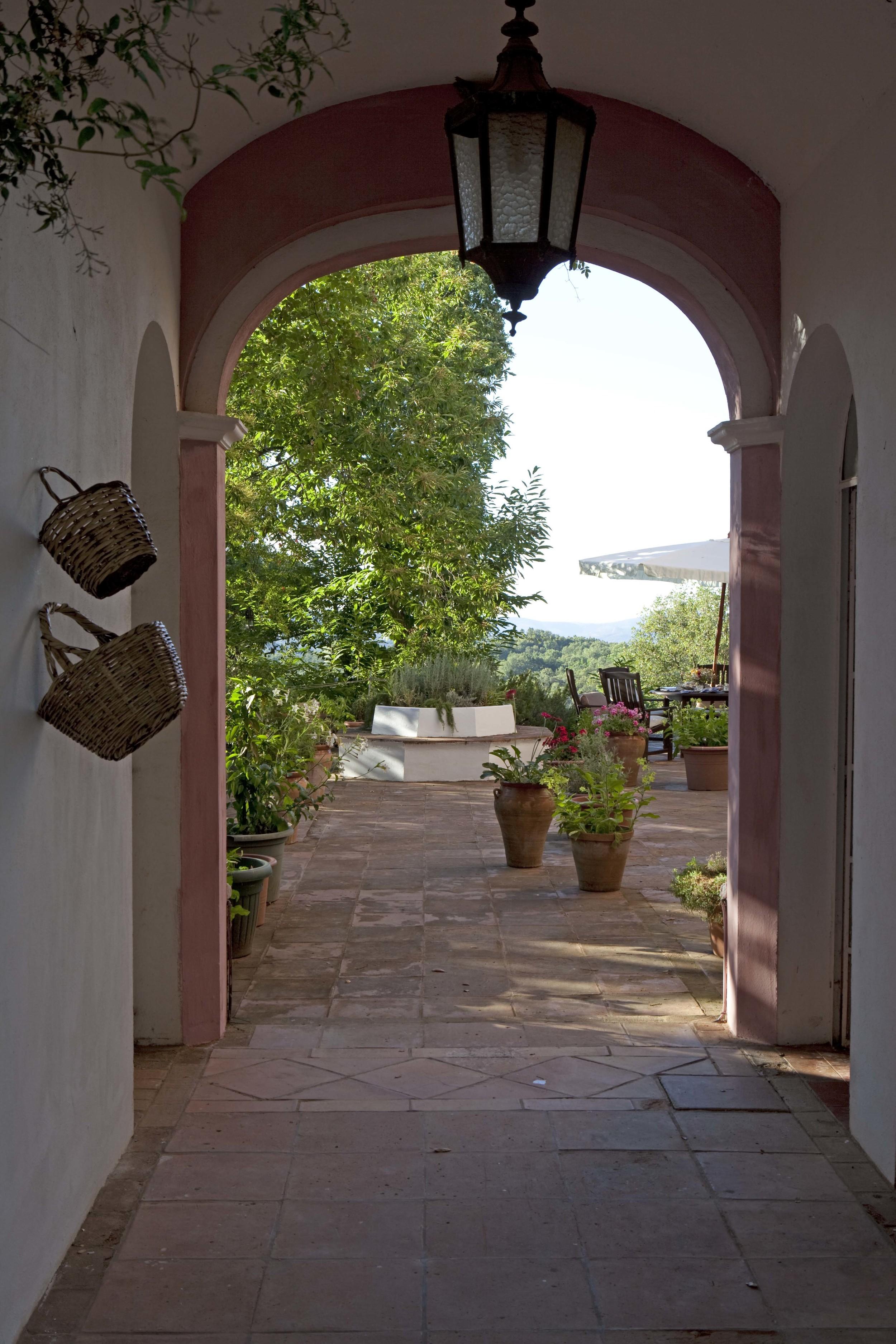 Entrance arch.jpg